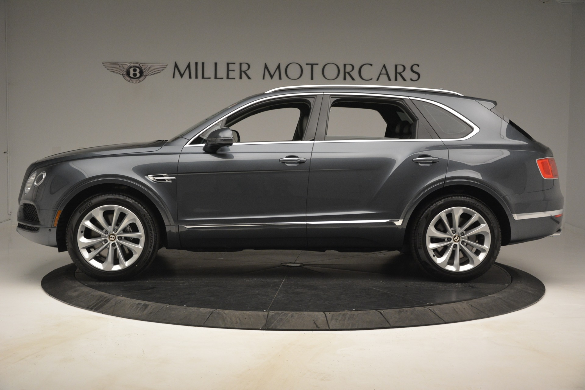 New 2019 Bentley Bentayga V8 For Sale In Greenwich, CT 2700_p3