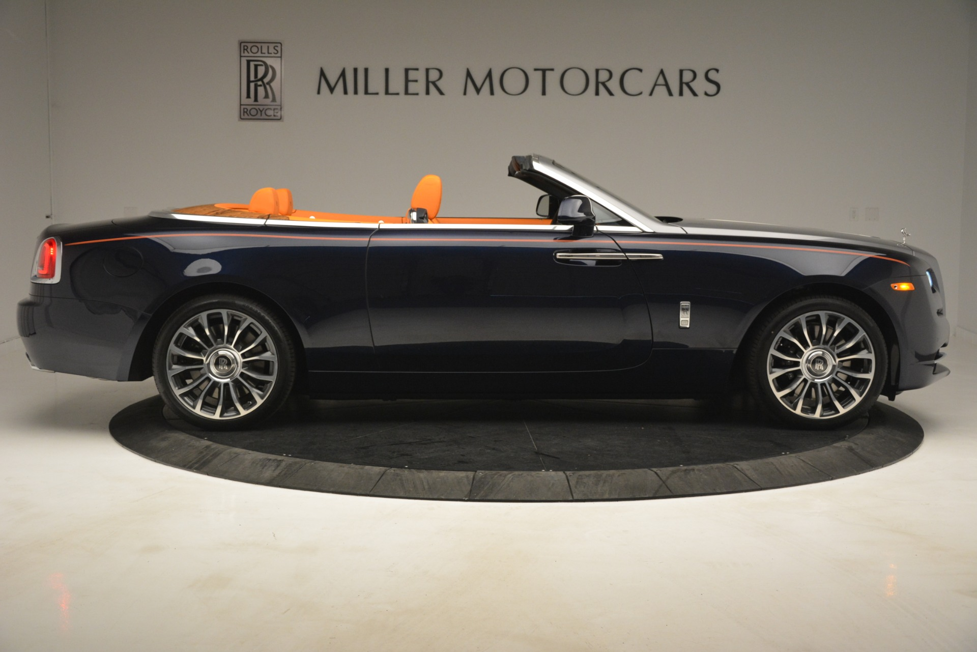 New 2019 Rolls-Royce Dawn  For Sale In Greenwich, CT 2701_p10