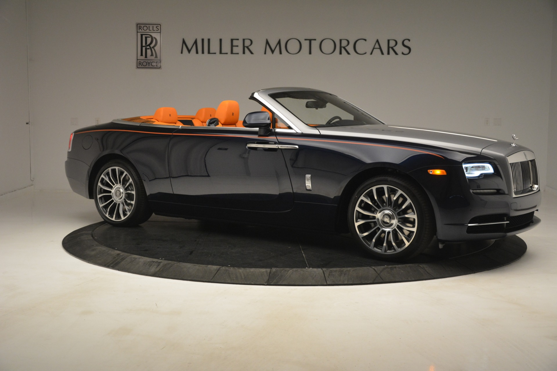New 2019 Rolls-Royce Dawn  For Sale In Greenwich, CT 2701_p11