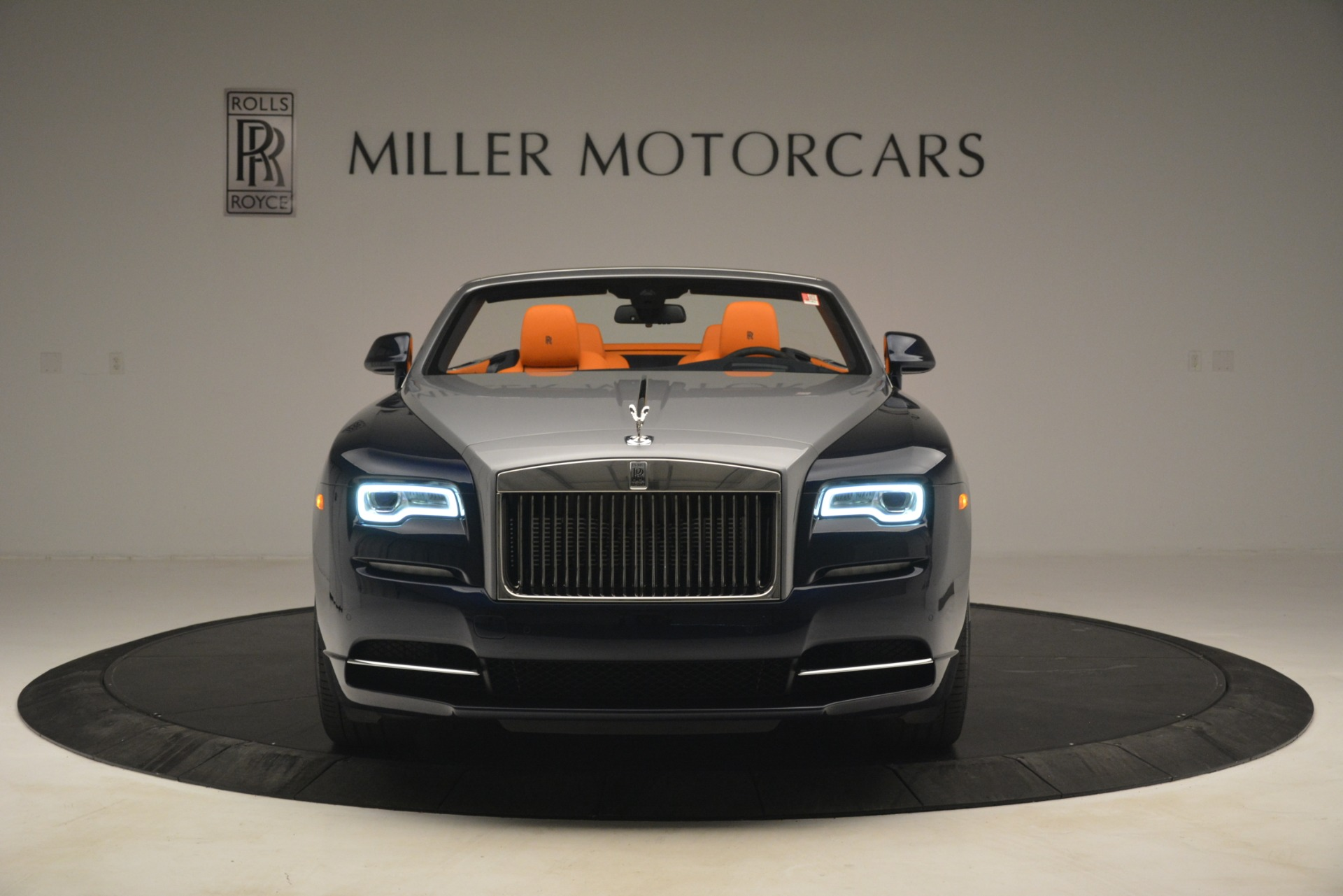 New 2019 Rolls-Royce Dawn  For Sale In Greenwich, CT 2701_p2