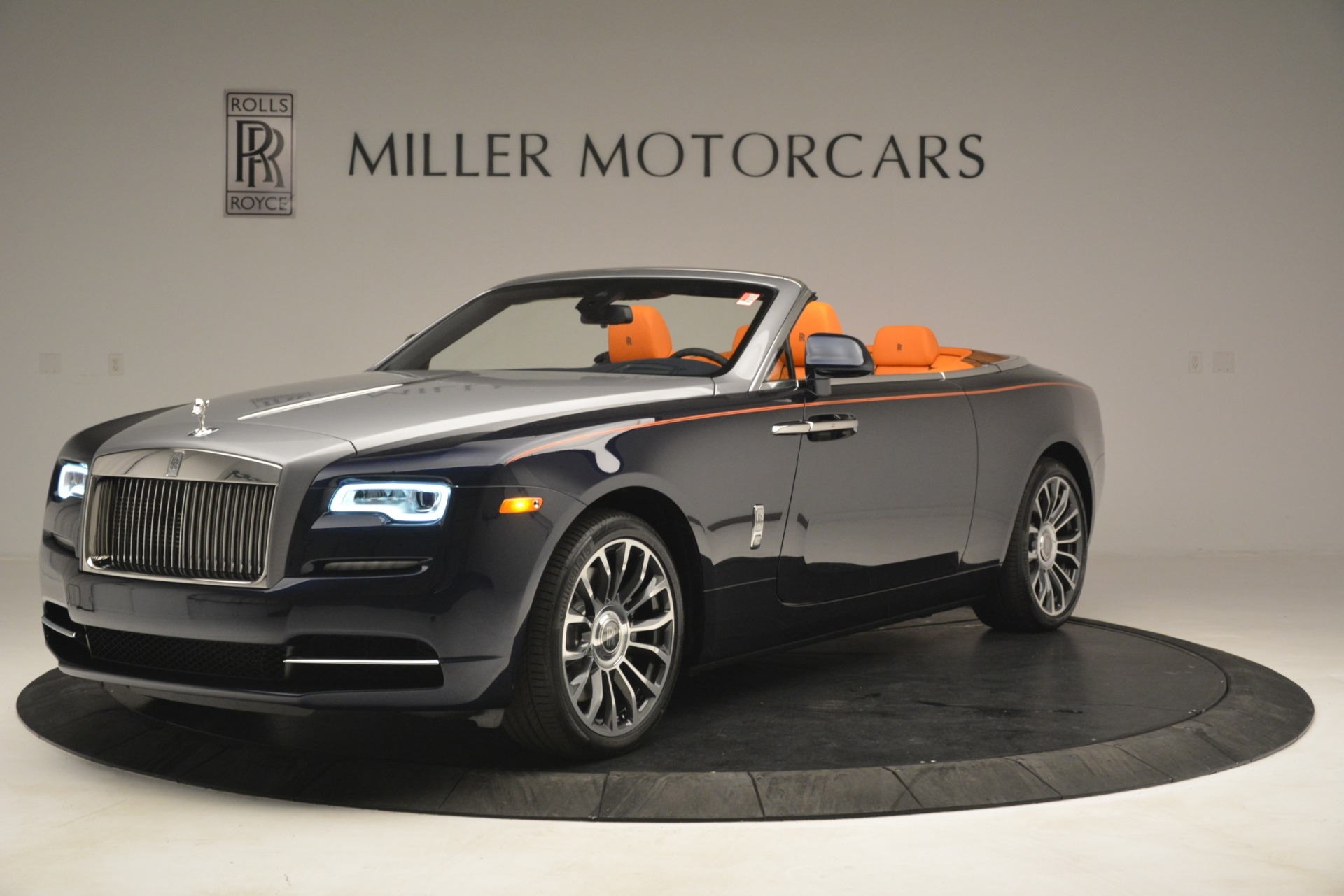 New 2019 Rolls-Royce Dawn  For Sale In Greenwich, CT 2701_p3