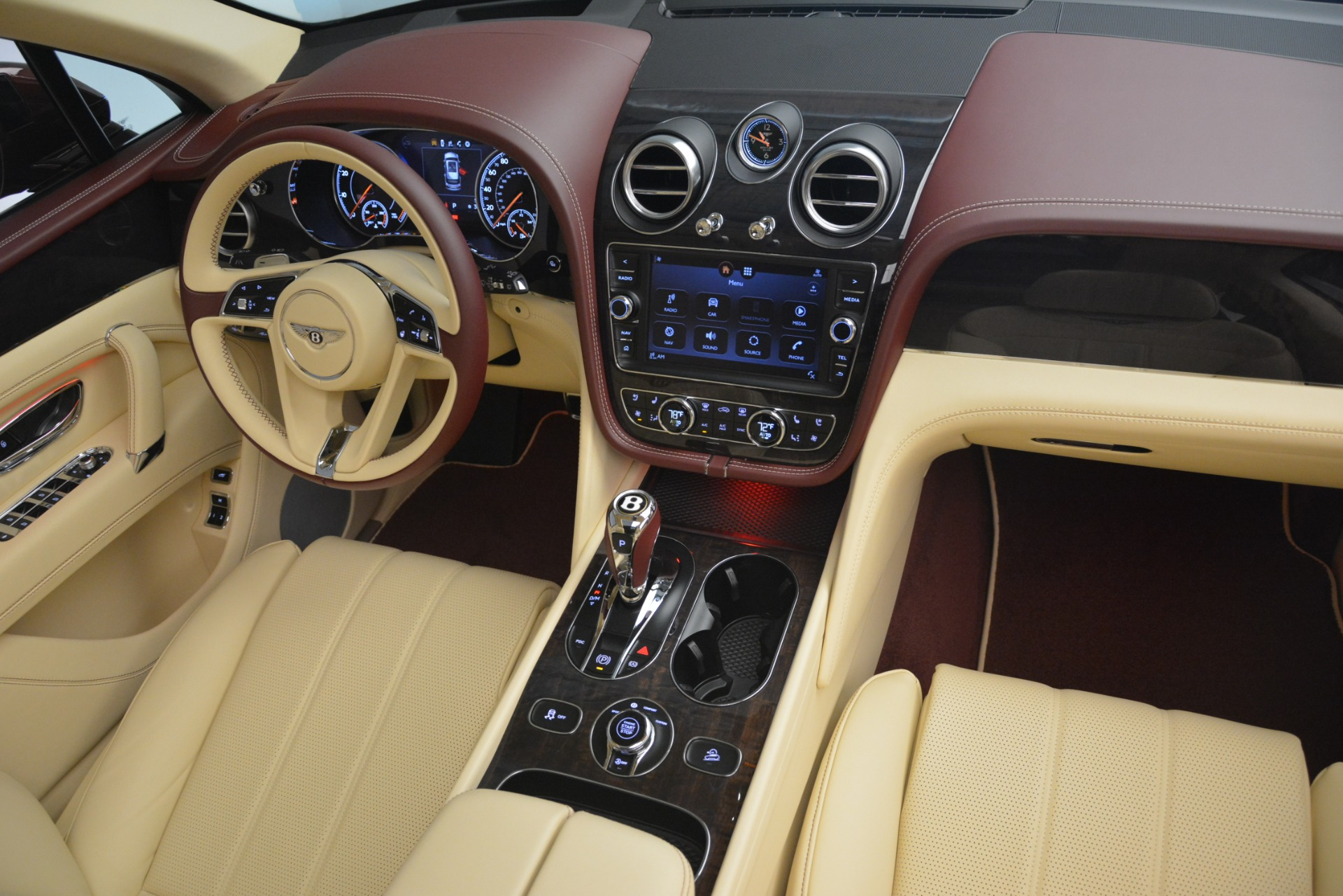 New 2019 Bentley Bentayga V8 For Sale In Greenwich, CT 2702_p24