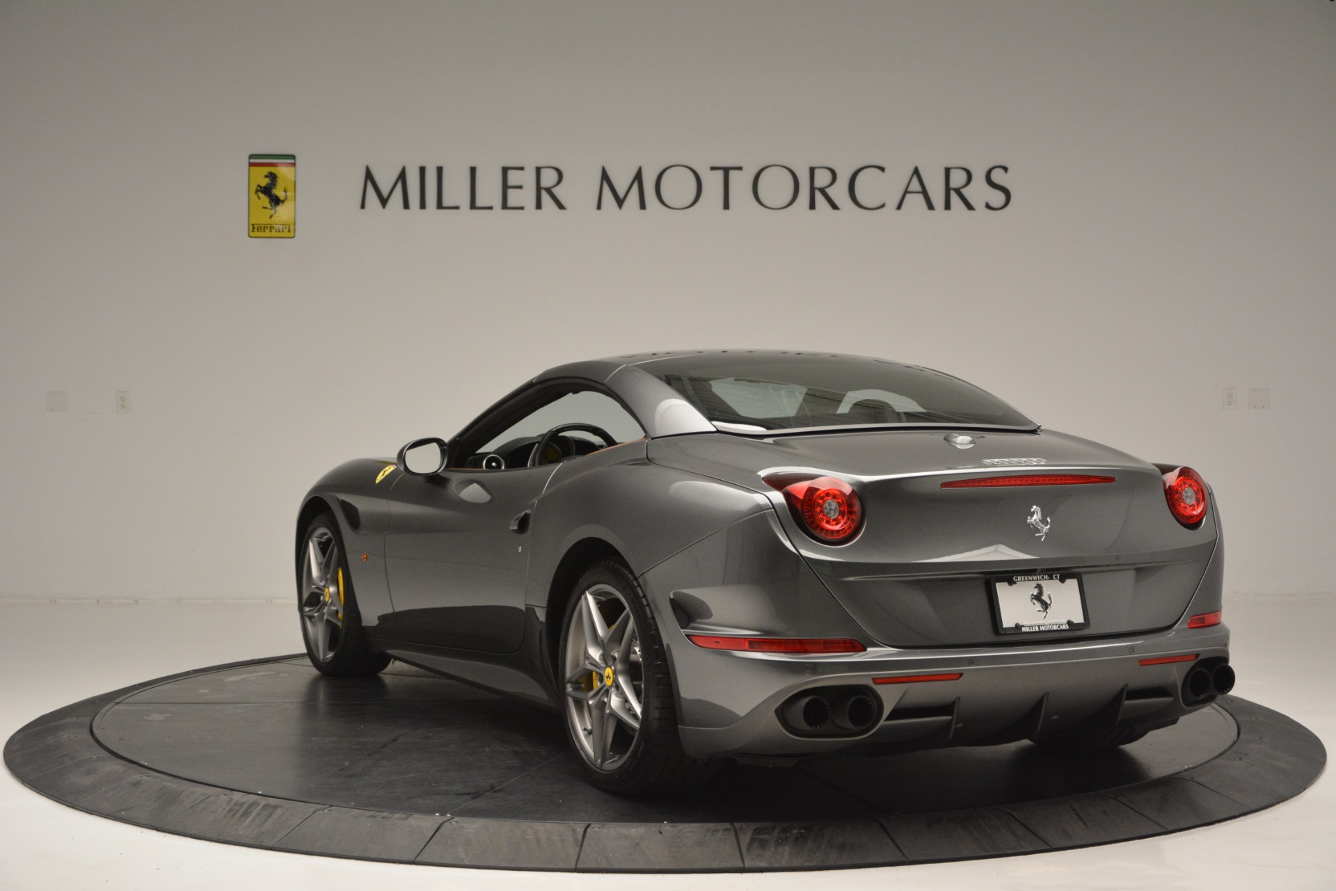 Used 2016 Ferrari California T Handling Speciale For Sale In Greenwich, CT 2721_p17