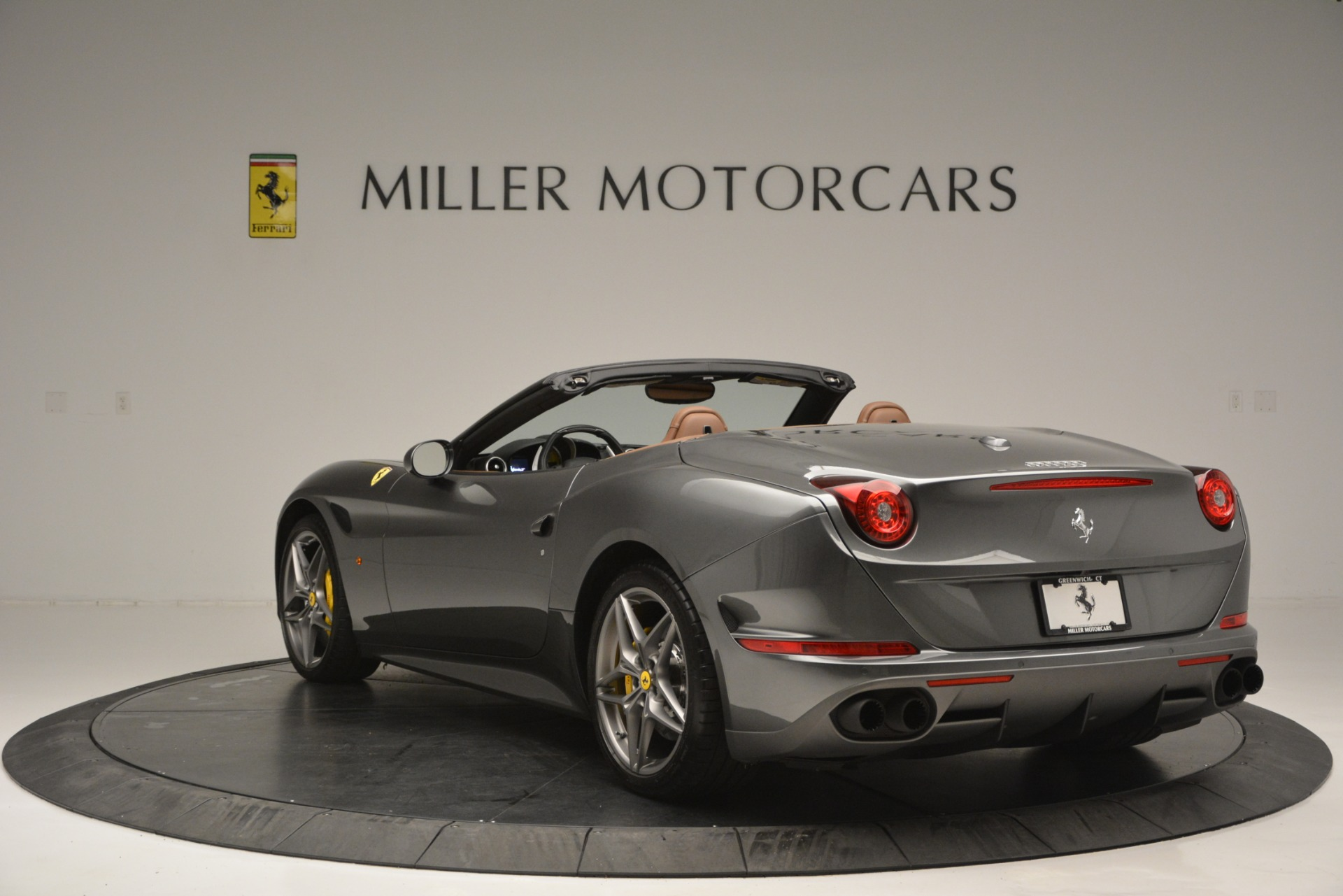 Used 2016 Ferrari California T Handling Speciale For Sale In Greenwich, CT 2721_p5