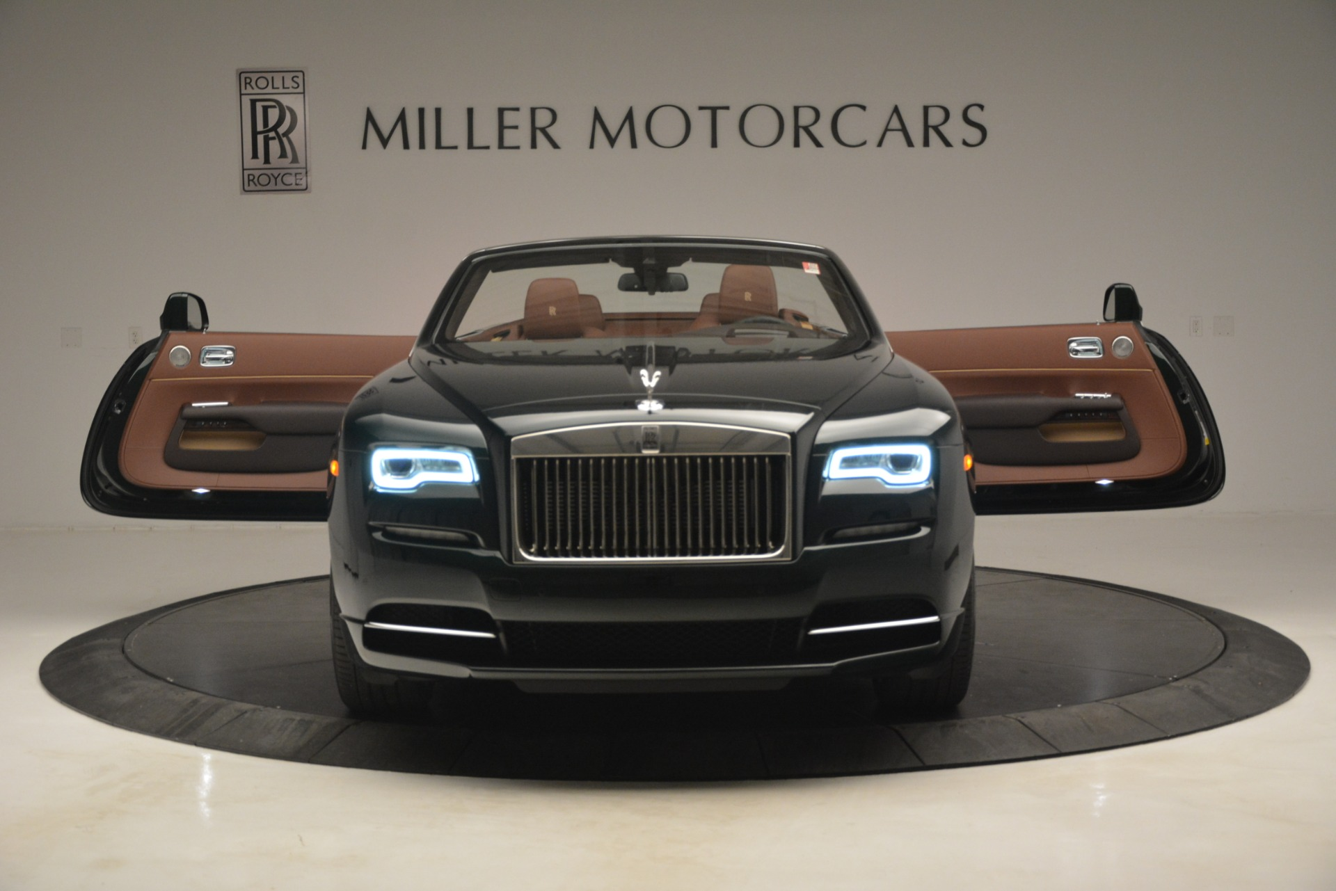 New 2019 Rolls-Royce Dawn  For Sale In Greenwich, CT 2722_p16