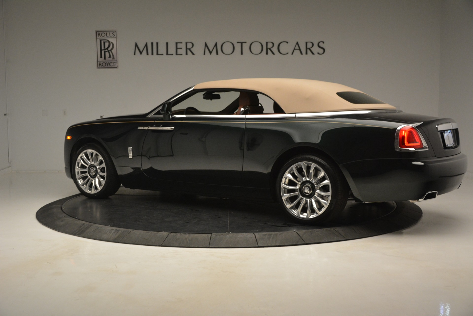 New 2019 Rolls-Royce Dawn  For Sale In Greenwich, CT 2722_p21