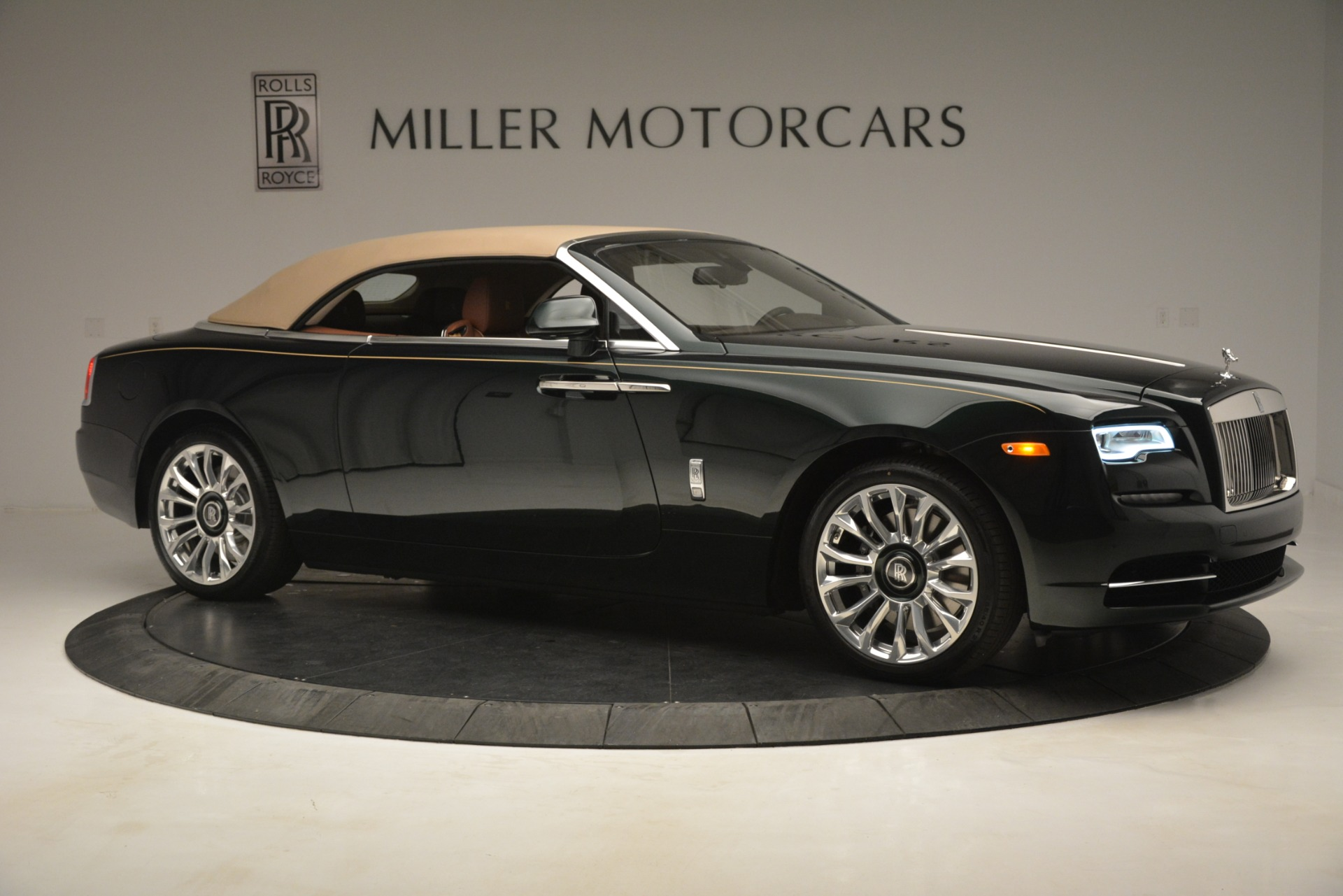 New 2019 Rolls-Royce Dawn  For Sale In Greenwich, CT 2722_p28