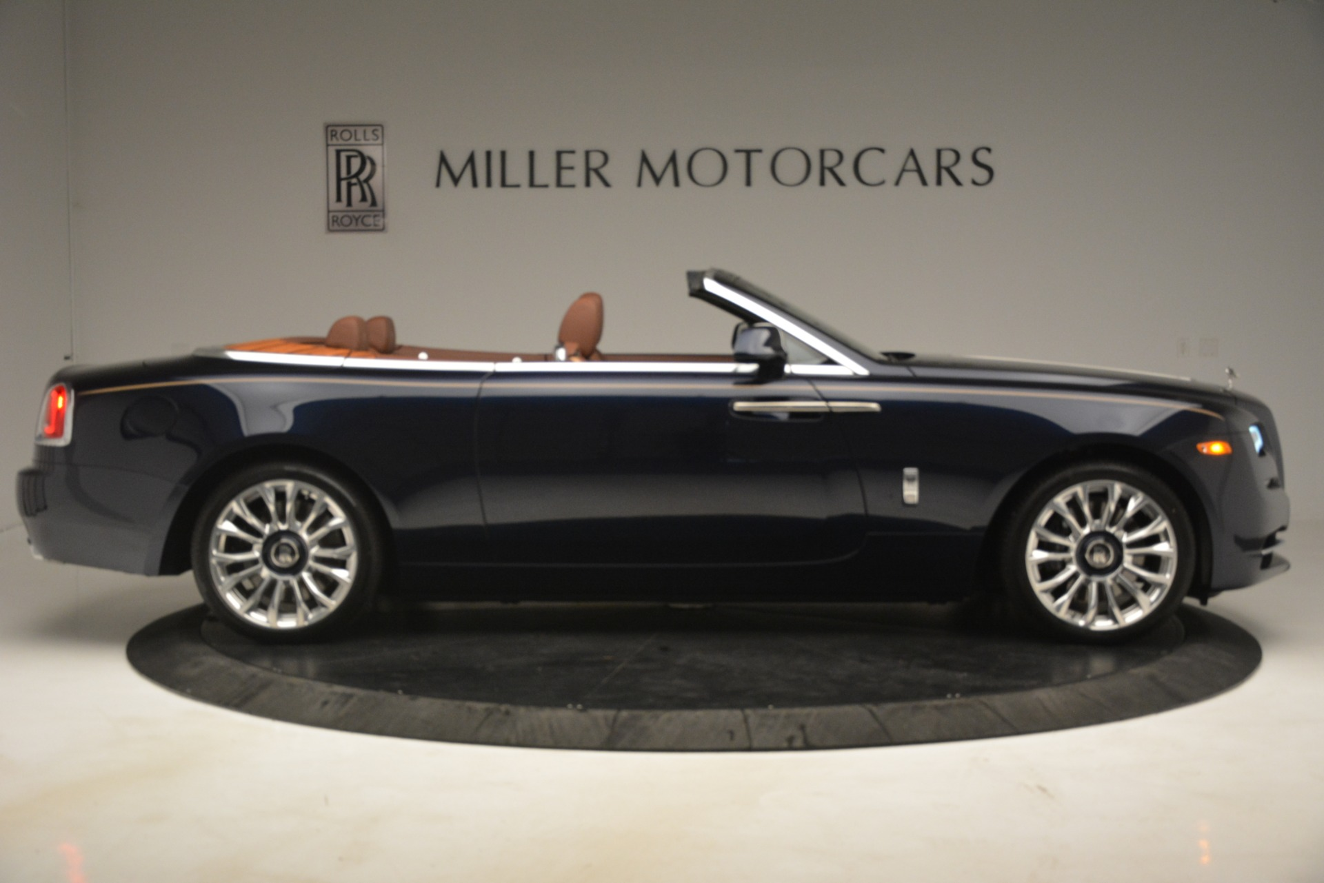 New 2019 Rolls-Royce Dawn  For Sale In Greenwich, CT 2723_p11