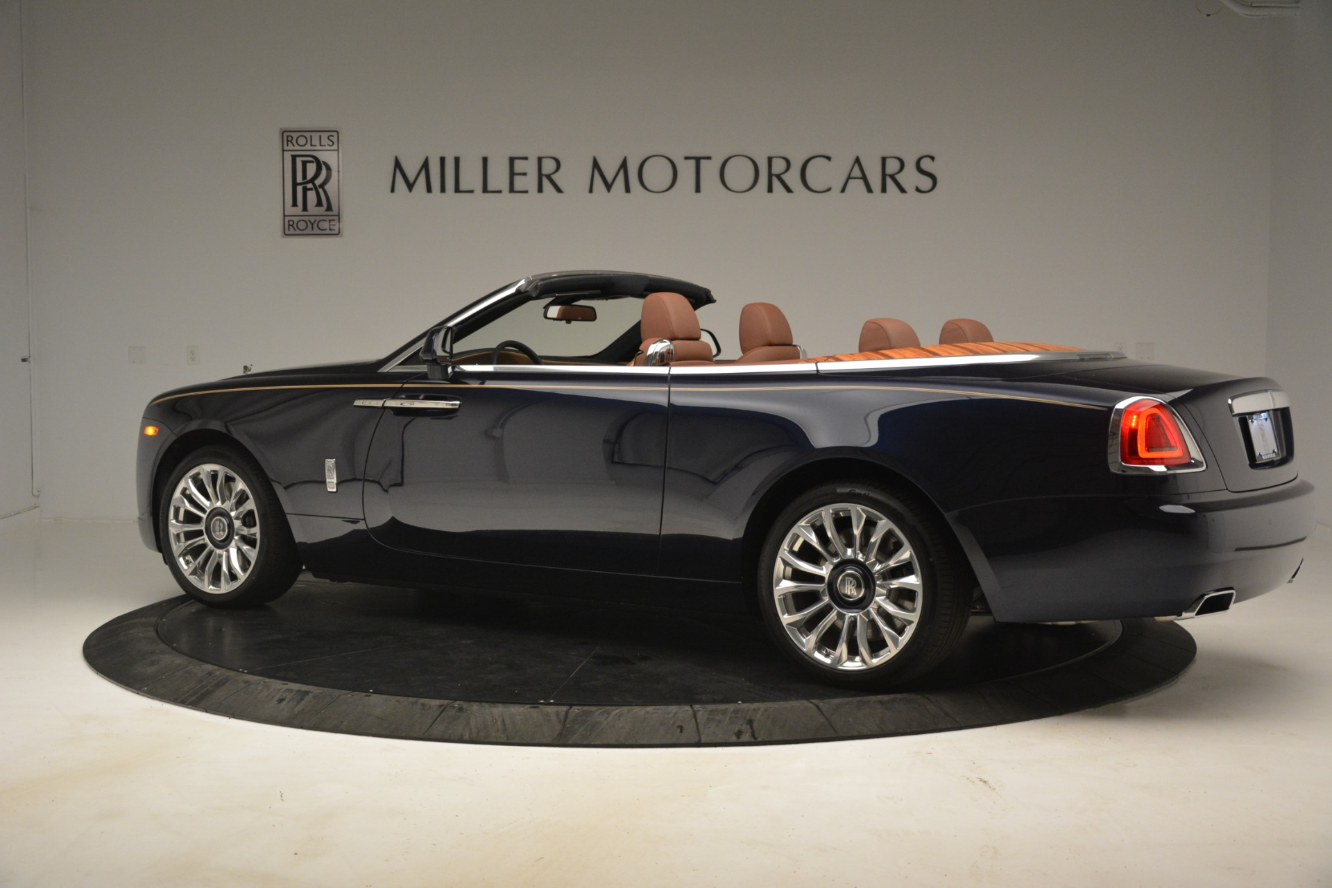 New 2019 Rolls-Royce Dawn  For Sale In Greenwich, CT 2723_p5