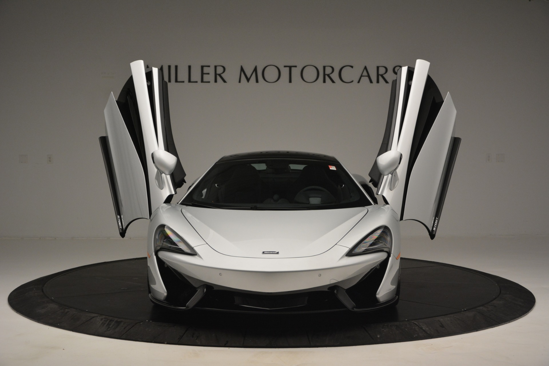 New 2019 McLaren 570GT Coupe For Sale In Greenwich, CT 2725_p13