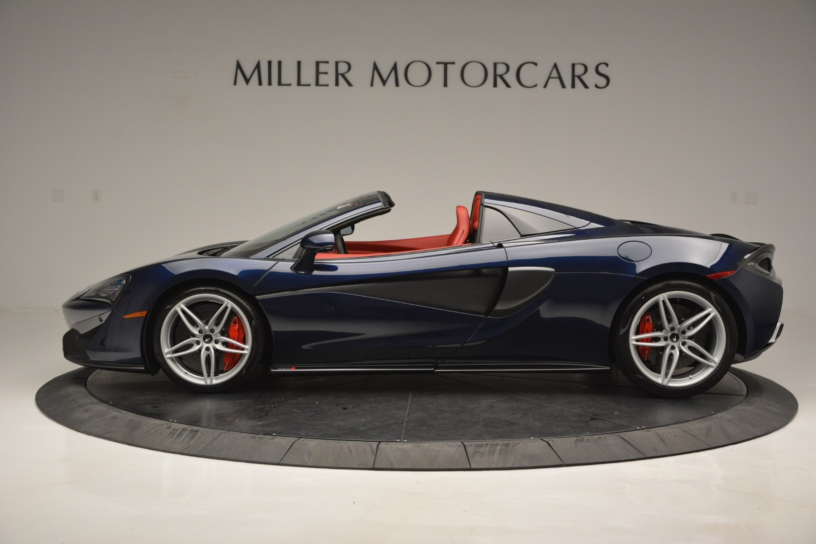 New 2019 McLaren 570S Spider Convertible For Sale In Greenwich, CT 2727_p3