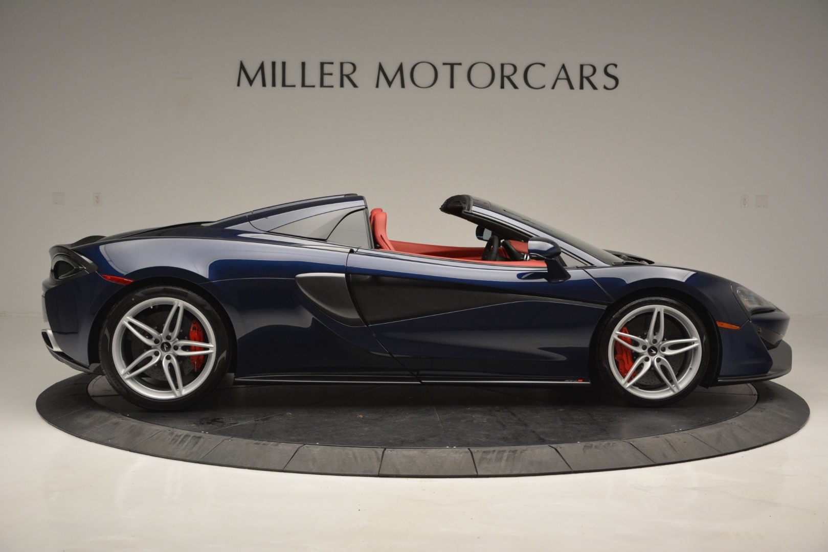 New 2019 McLaren 570S Spider Convertible For Sale In Greenwich, CT 2727_p9