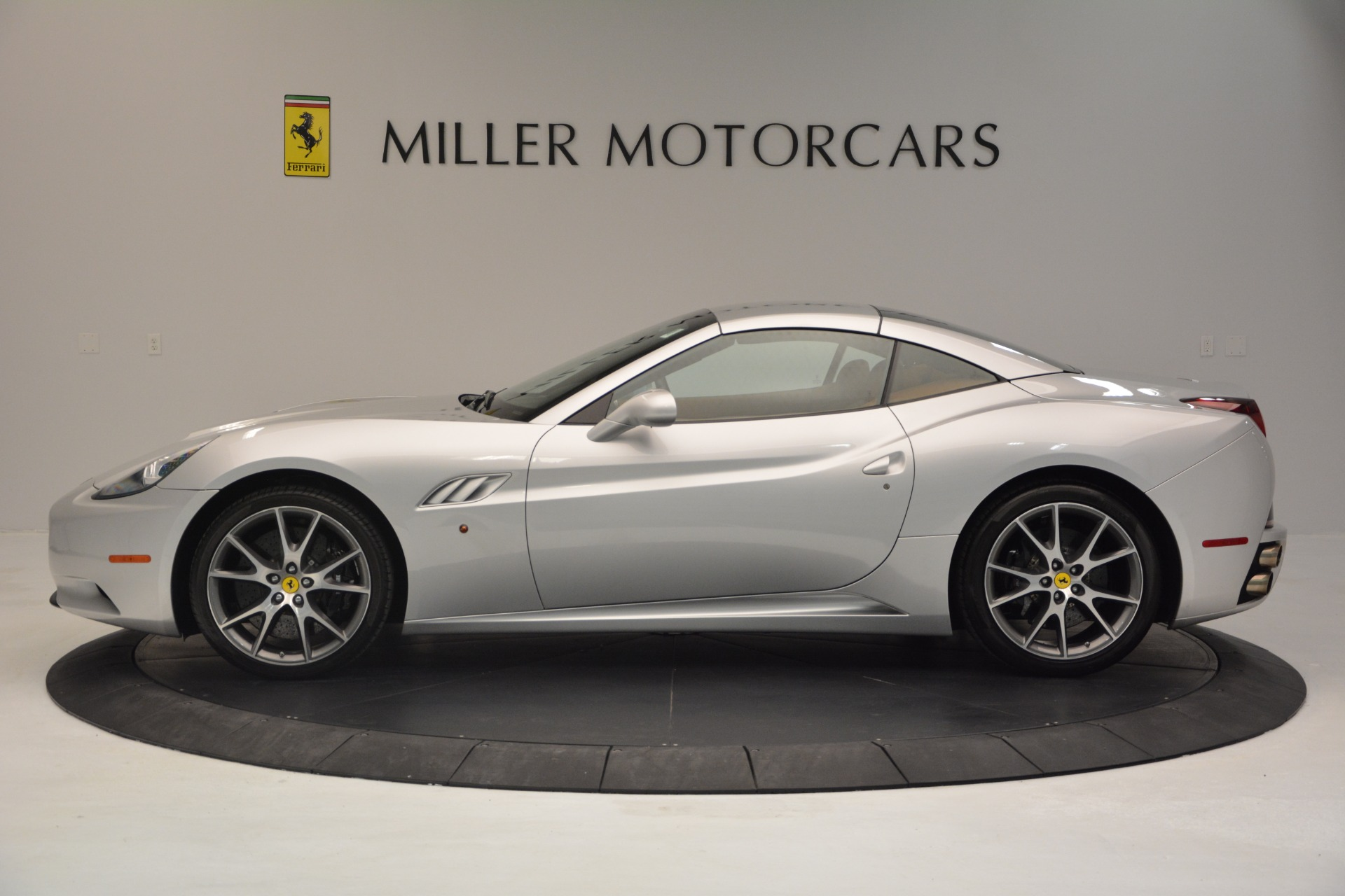 Used 2010 Ferrari California  For Sale In Greenwich, CT 2732_p15