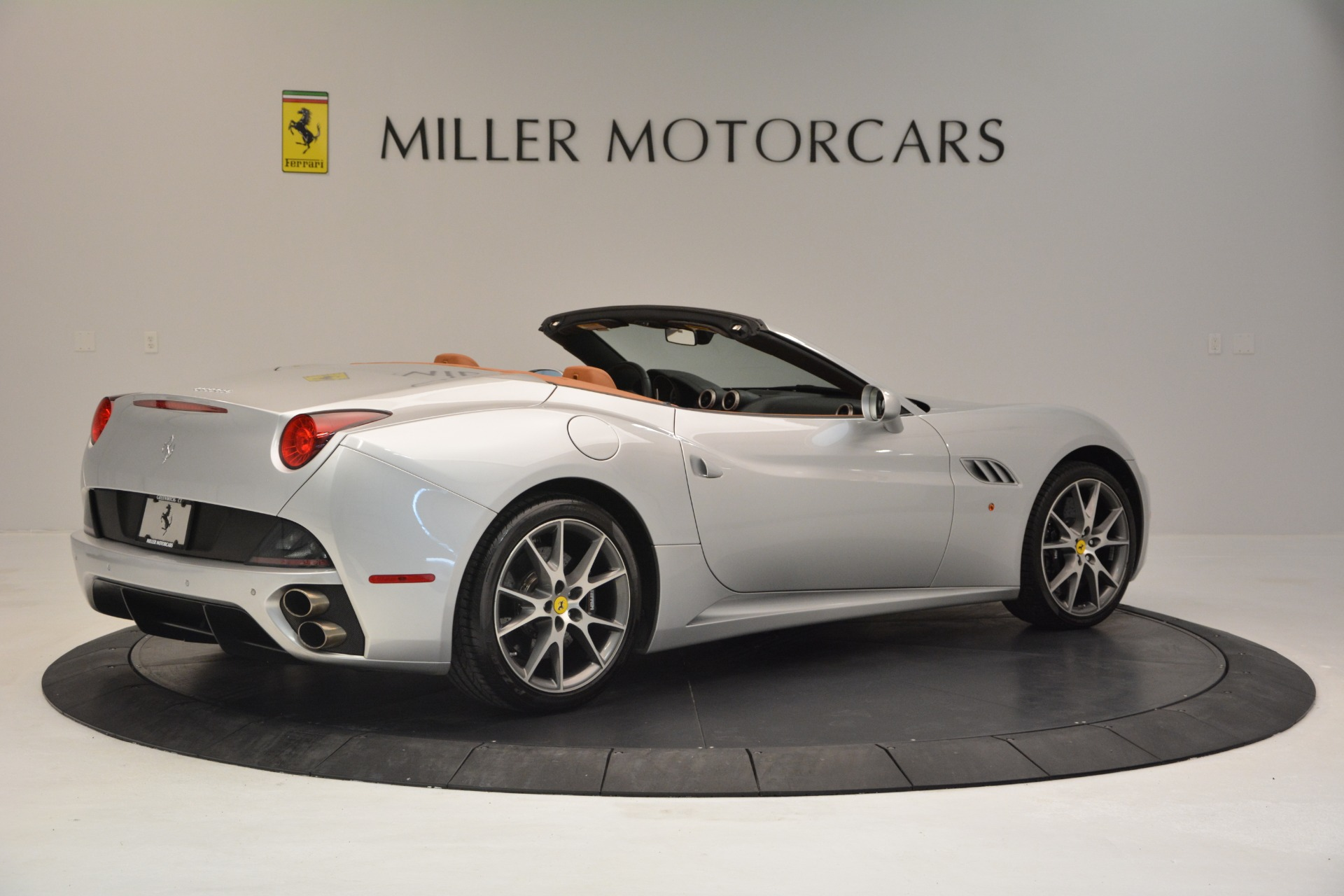 Used 2010 Ferrari California  For Sale In Greenwich, CT 2732_p8