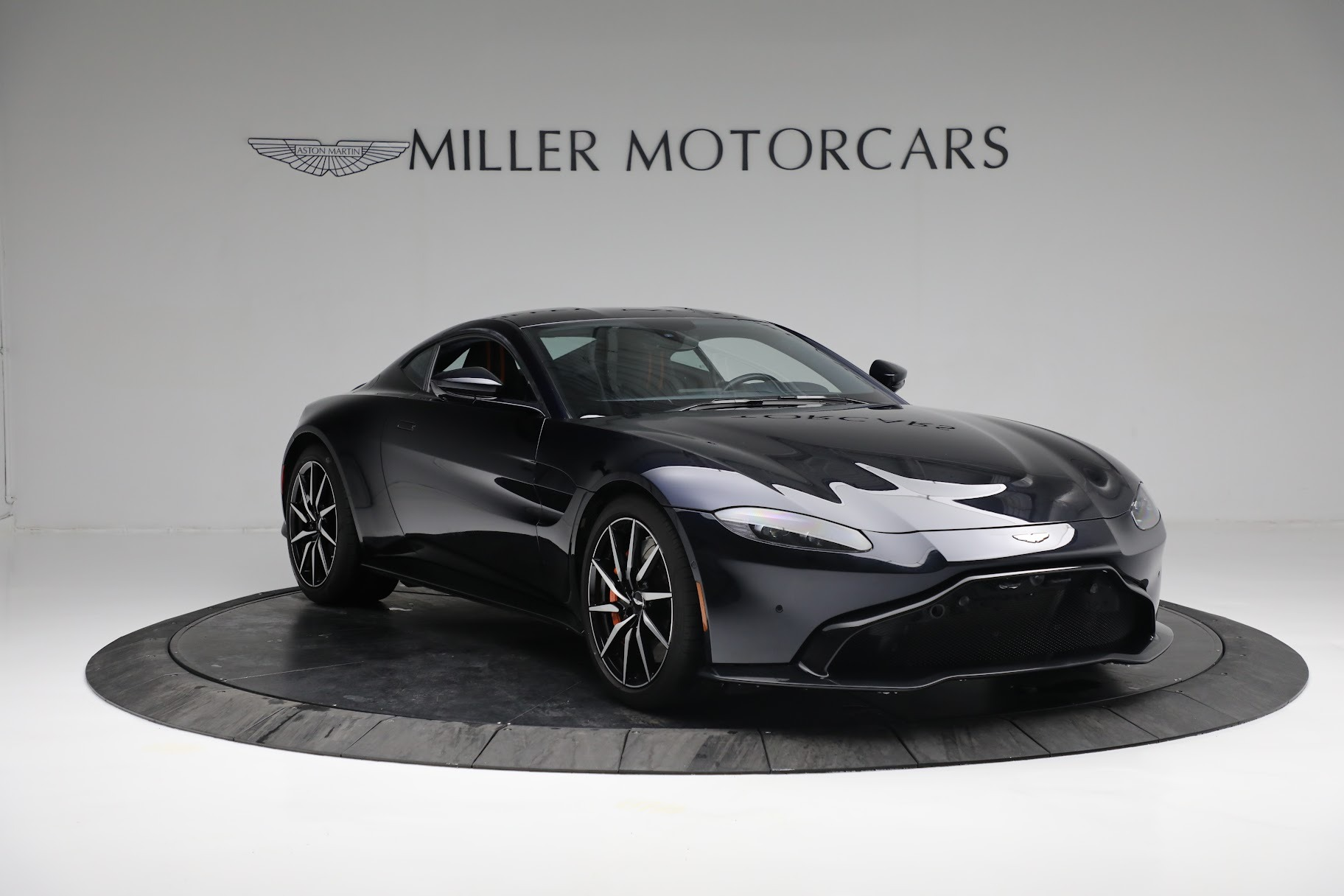 New 2019 Aston Martin Vantage  For Sale In Greenwich, CT 2756_p10