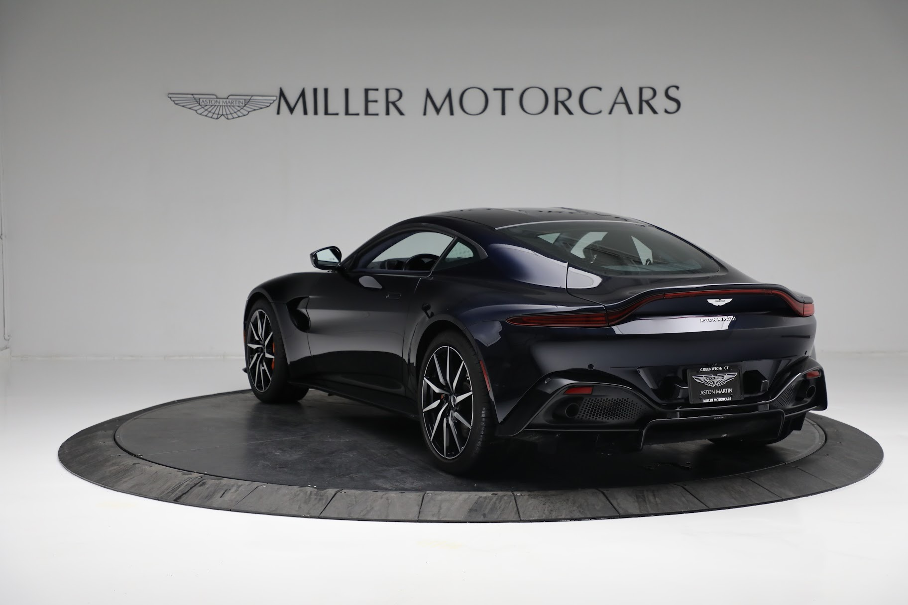 New 2019 Aston Martin Vantage  For Sale In Greenwich, CT 2756_p4