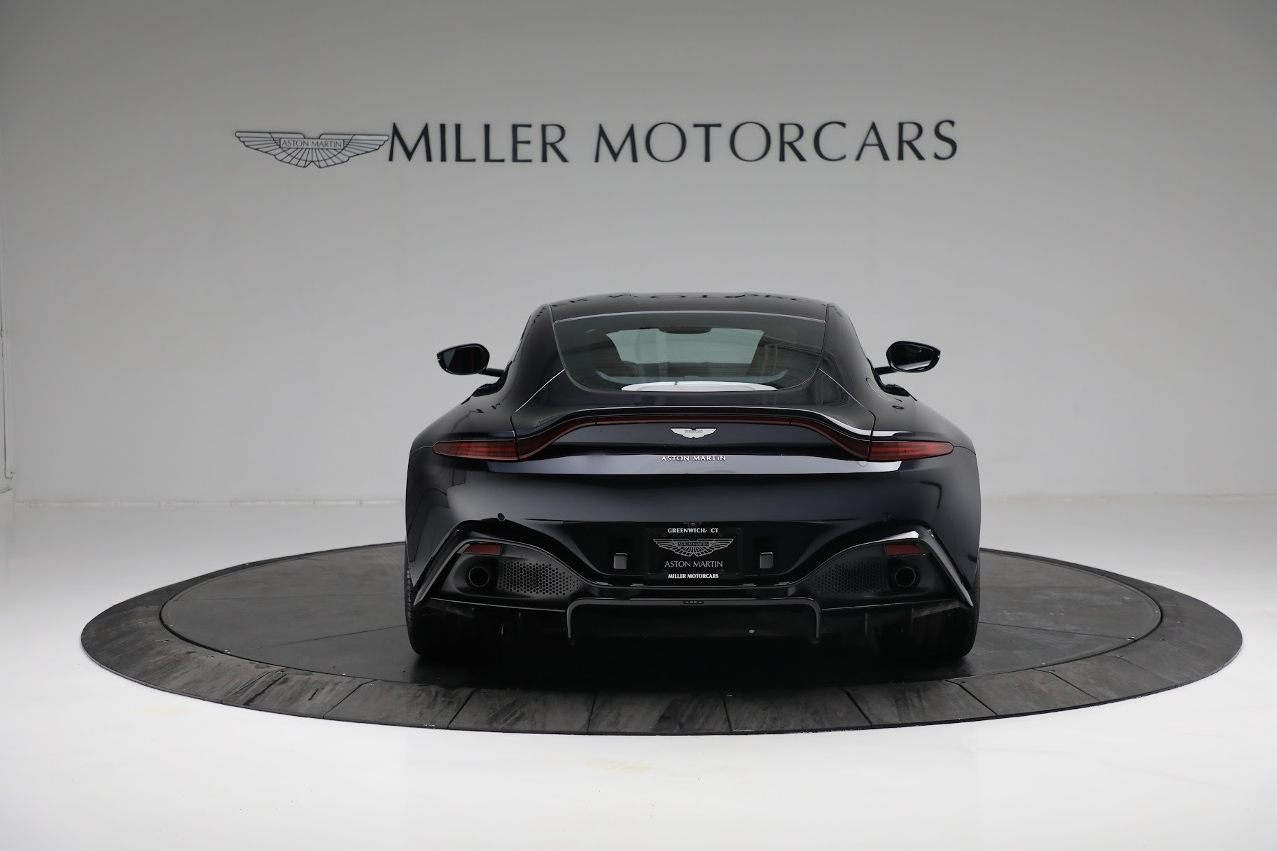 New 2019 Aston Martin Vantage  For Sale In Greenwich, CT 2756_p5