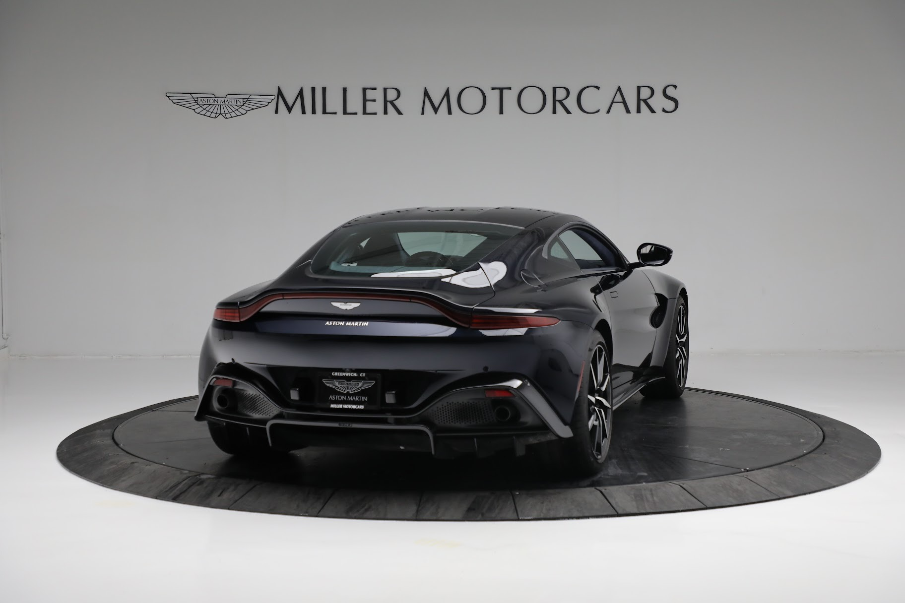 New 2019 Aston Martin Vantage  For Sale In Greenwich, CT 2756_p6