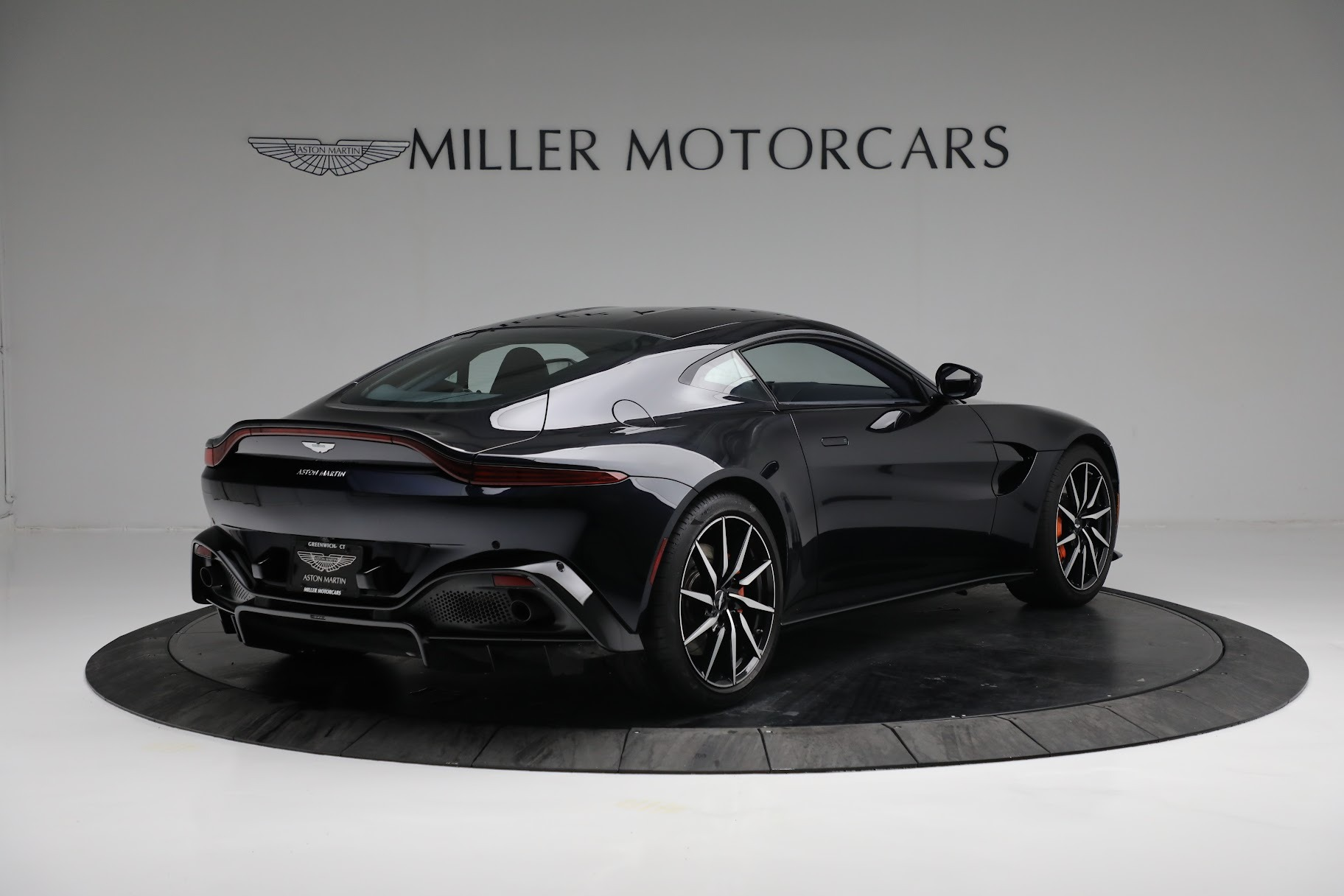 New 2019 Aston Martin Vantage  For Sale In Greenwich, CT 2756_p7