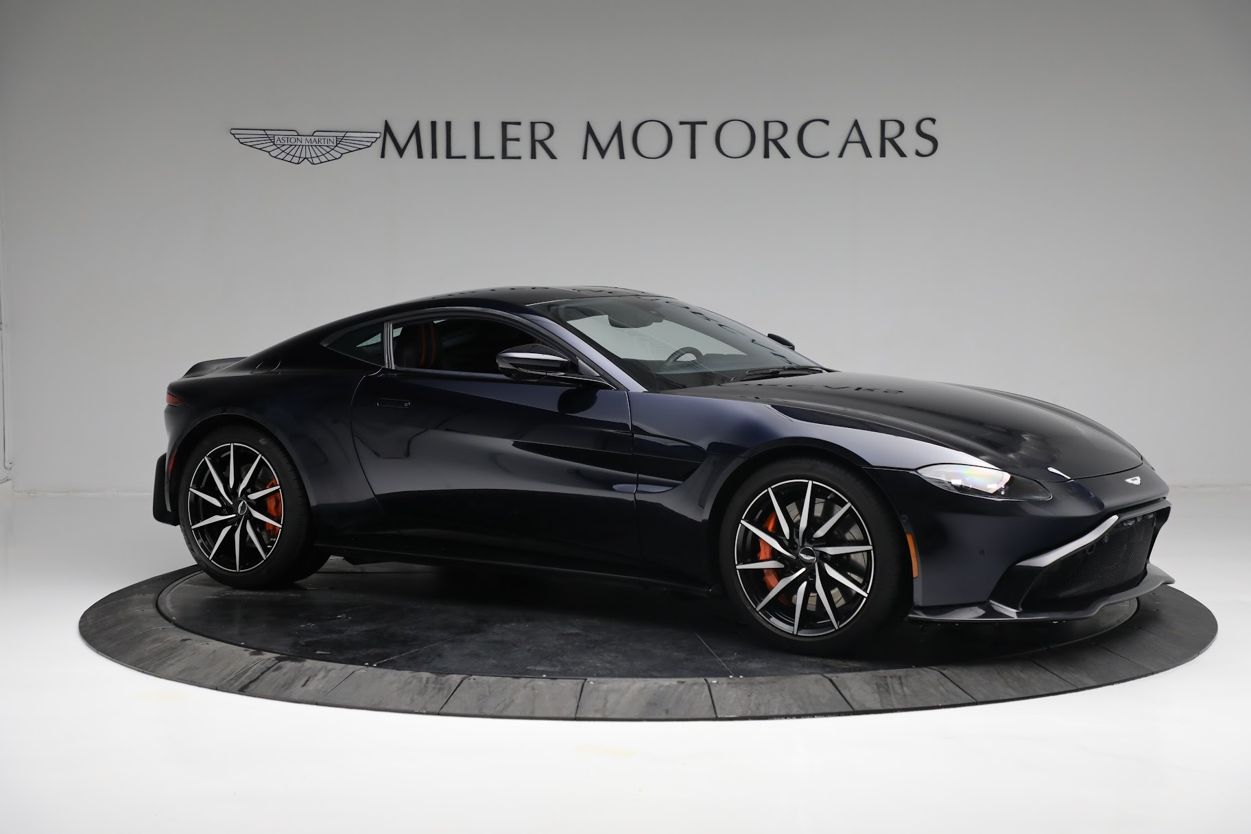 New 2019 Aston Martin Vantage  For Sale In Greenwich, CT 2756_p9