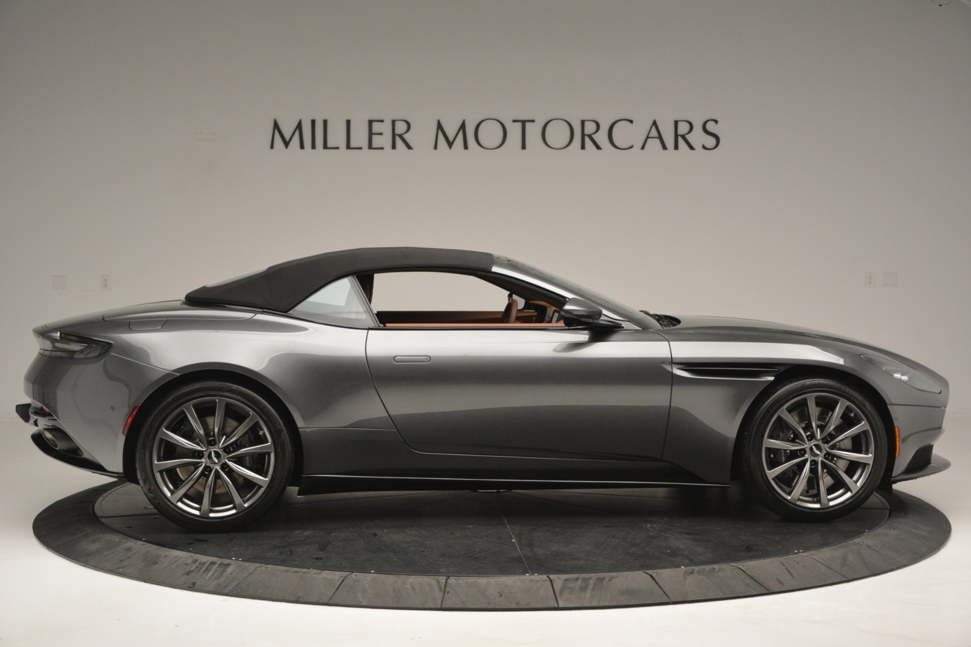 New 2019 Aston Martin DB11 V8 Convertible For Sale In Greenwich, CT 2762_p16