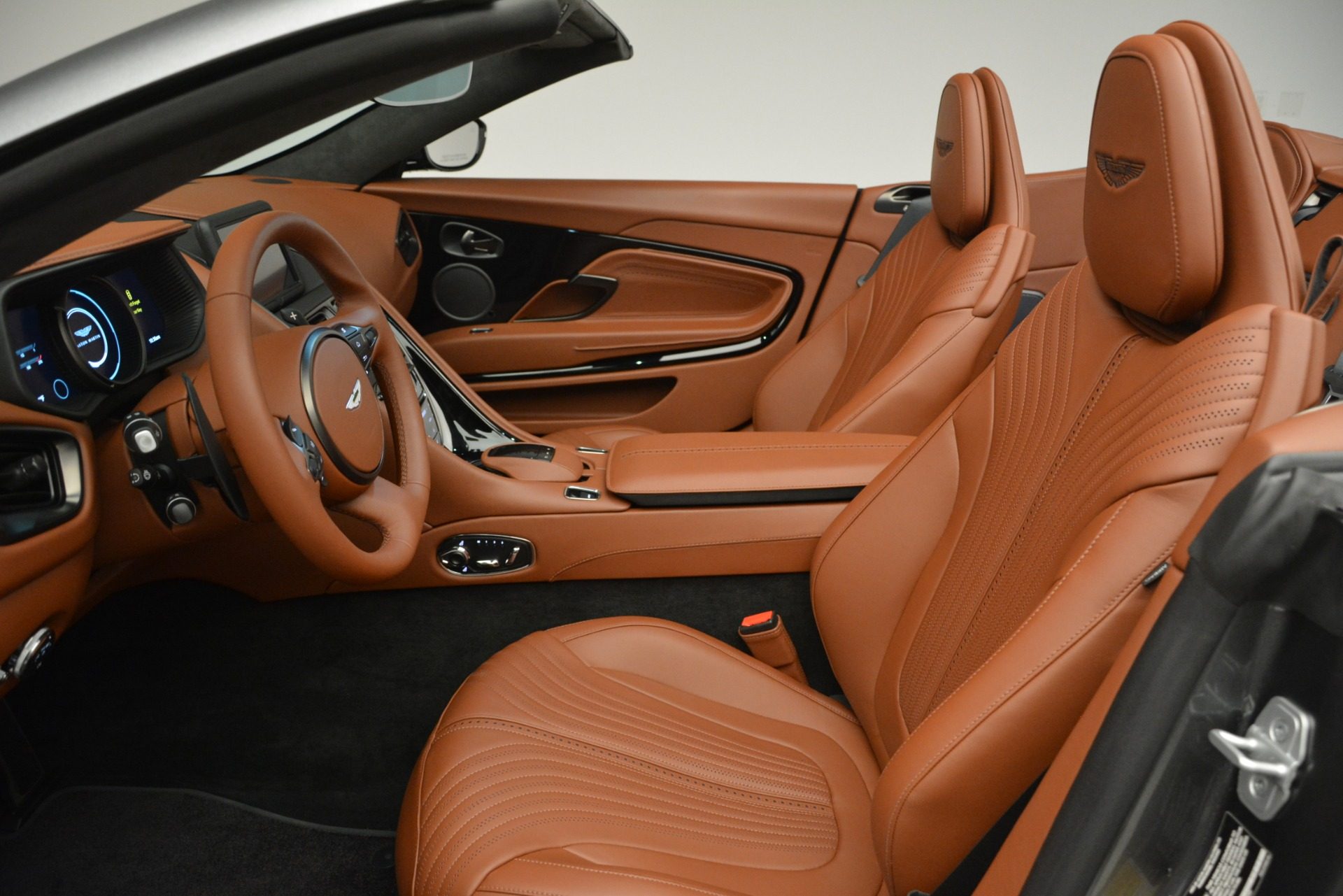 New 2019 Aston Martin DB11 V8 Convertible For Sale In Greenwich, CT 2762_p19