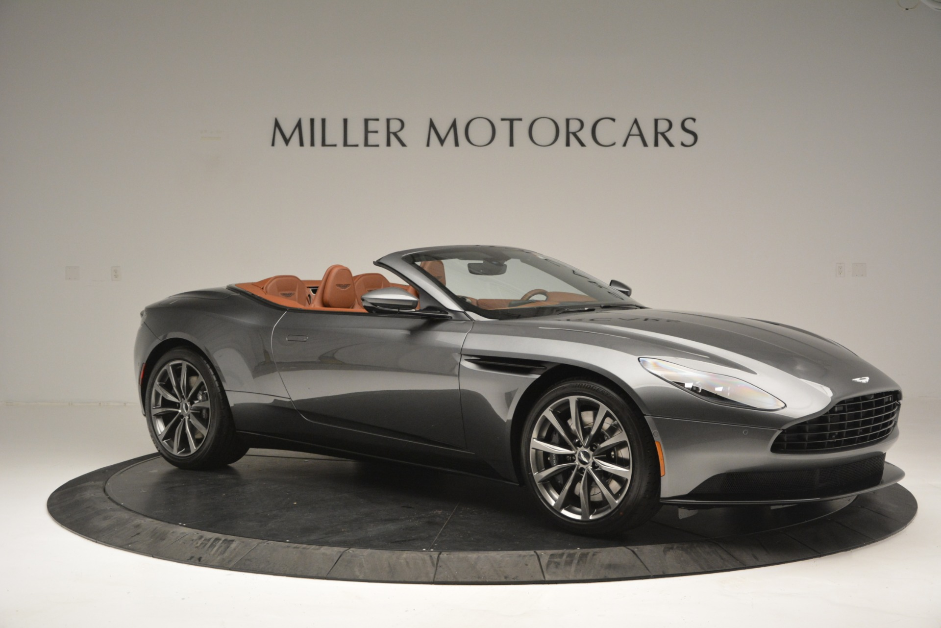 New 2019 Aston Martin DB11 V8 Convertible For Sale In Greenwich, CT 2762_p9