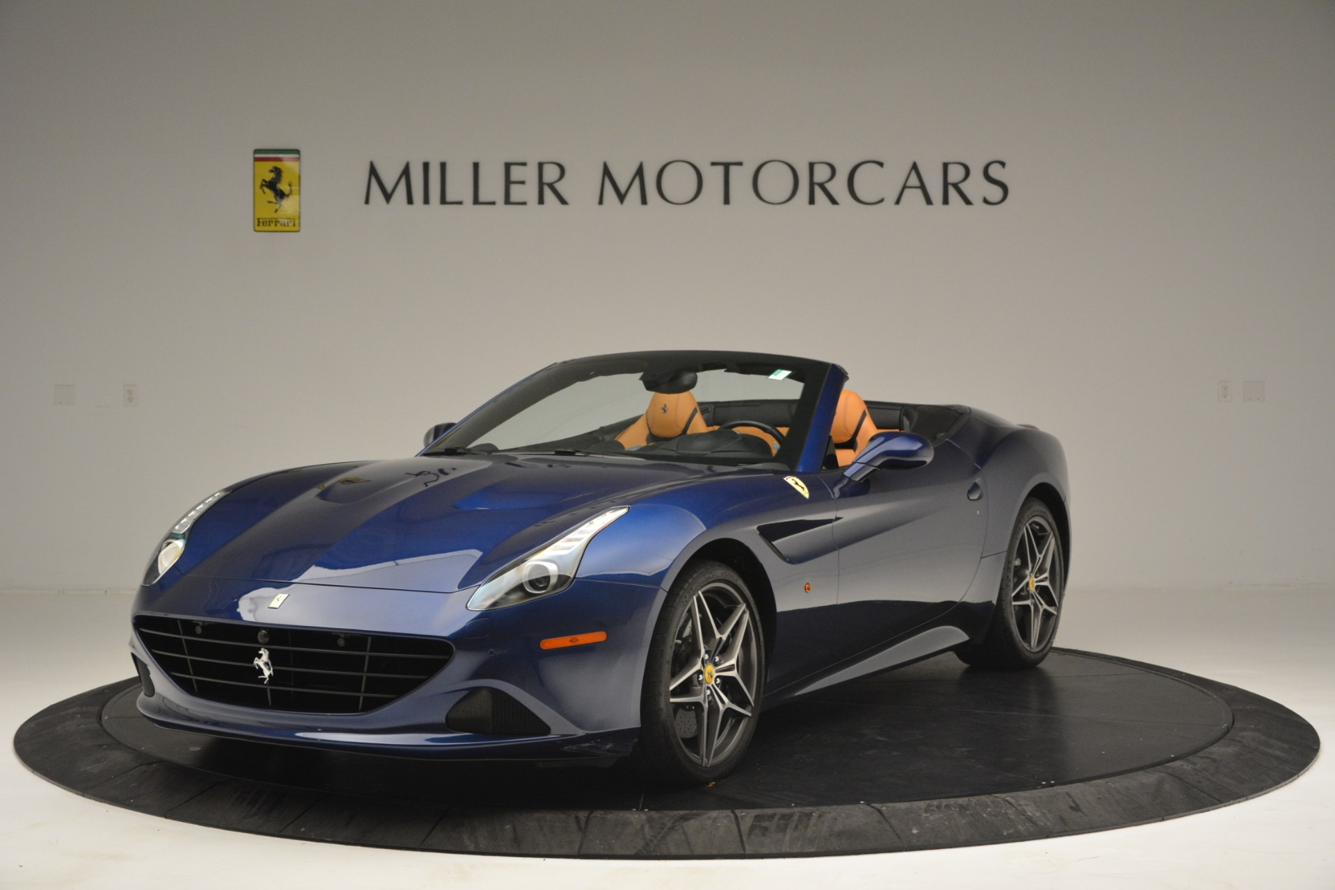 Used 2016 Ferrari California T  For Sale In Greenwich, CT 2773_main