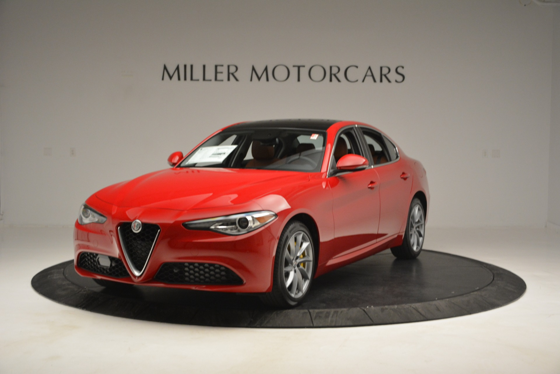 New 2019 Alfa Romeo Giulia Q4 For Sale In Greenwich, CT 2821_main
