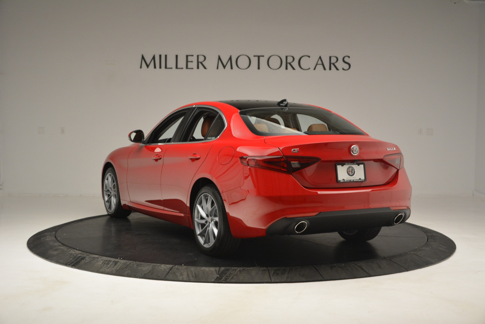 New 2019 Alfa Romeo Giulia Q4 For Sale In Greenwich, CT 2821_p5
