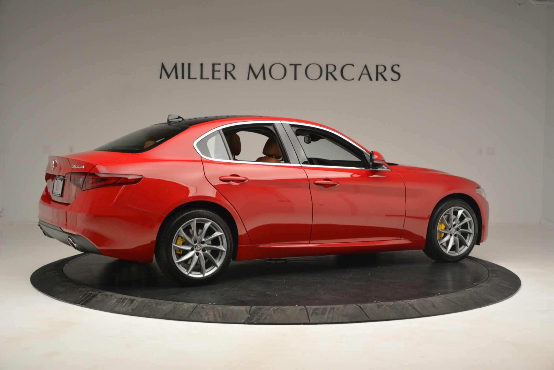 New 2019 Alfa Romeo Giulia Q4 For Sale In Greenwich, CT 2821_p8