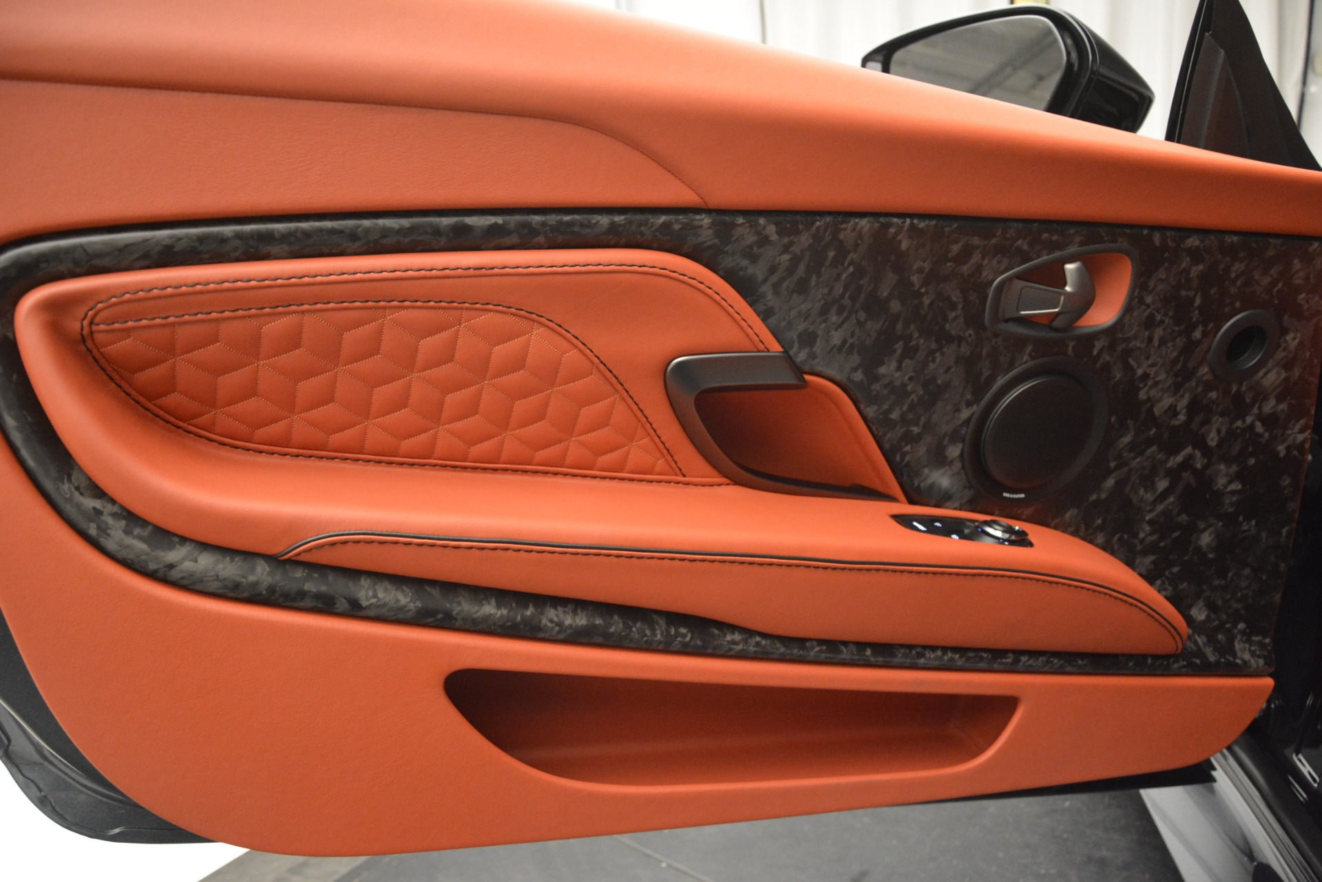 New 2019 Aston Martin DBS Superleggera For Sale In Greenwich, CT 2827_p20