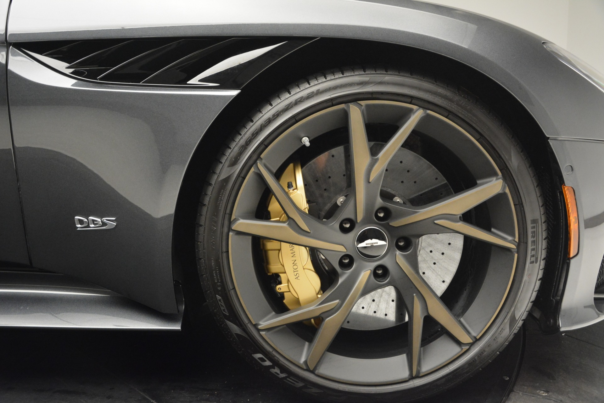 New 2019 Aston Martin DBS Superleggera For Sale In Greenwich, CT 2827_p23