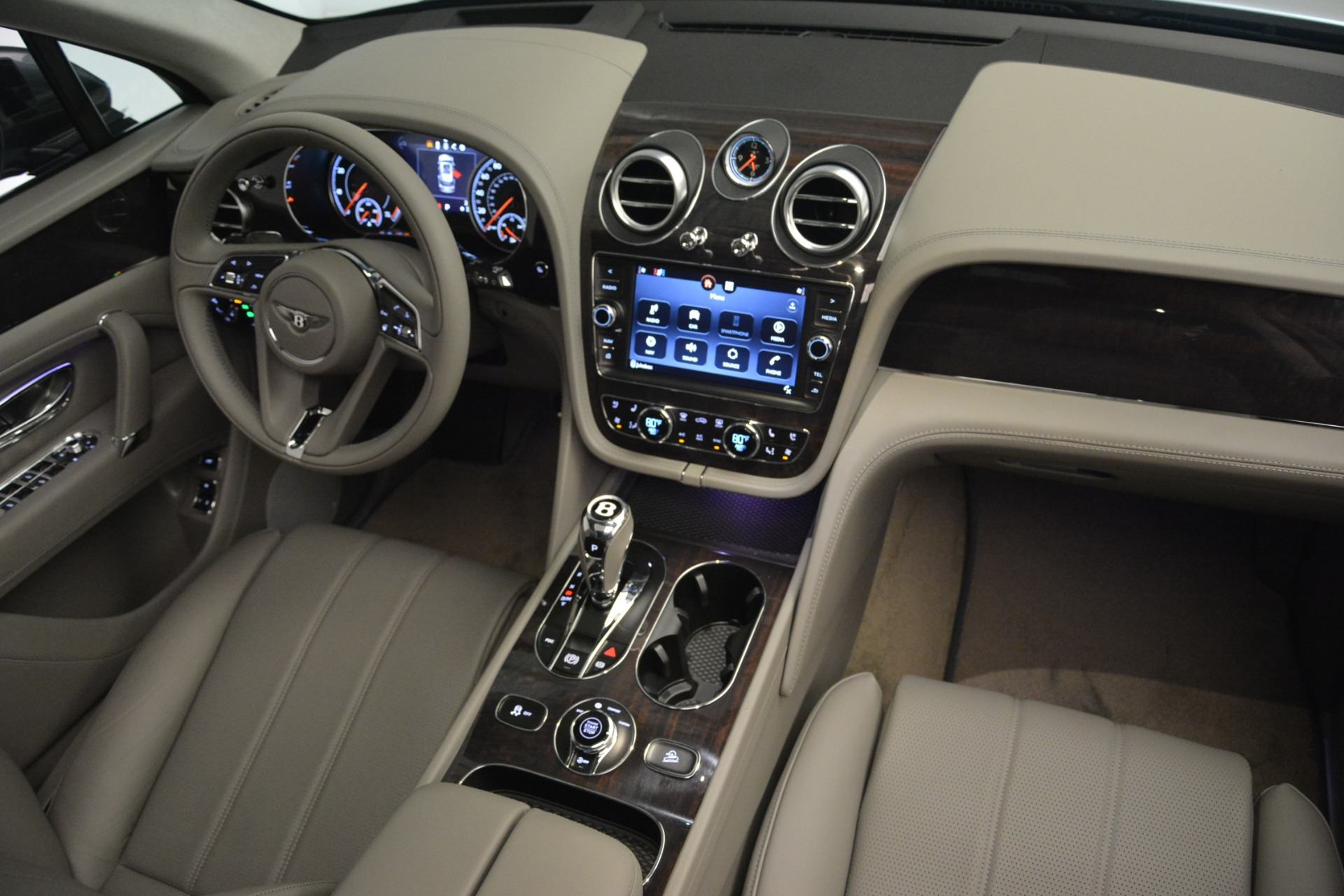 New 2019 Bentley Bentayga V8 For Sale In Greenwich, CT 2828_p29