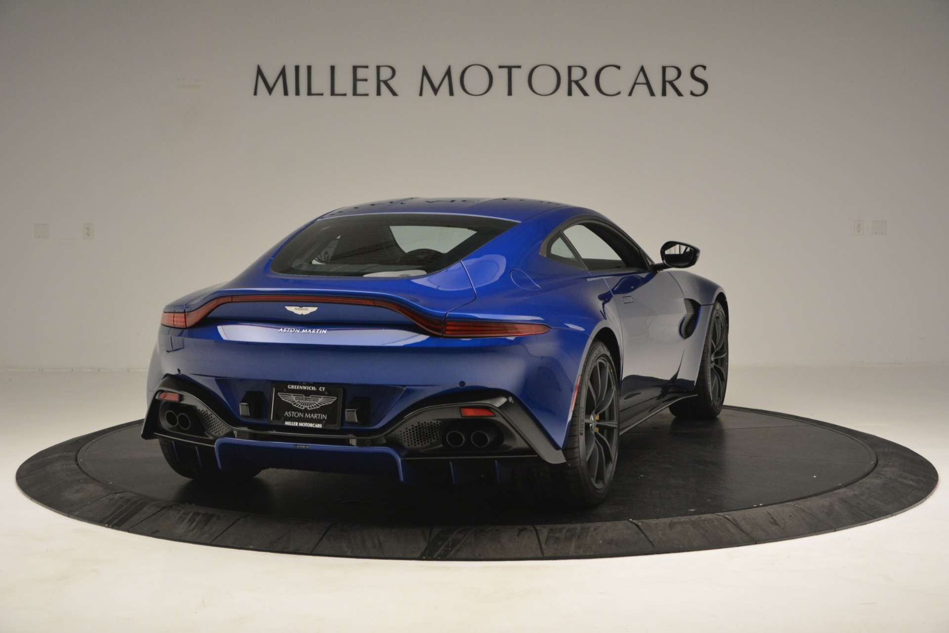 New 2019 Aston Martin Vantage  For Sale In Greenwich, CT 2831_p7