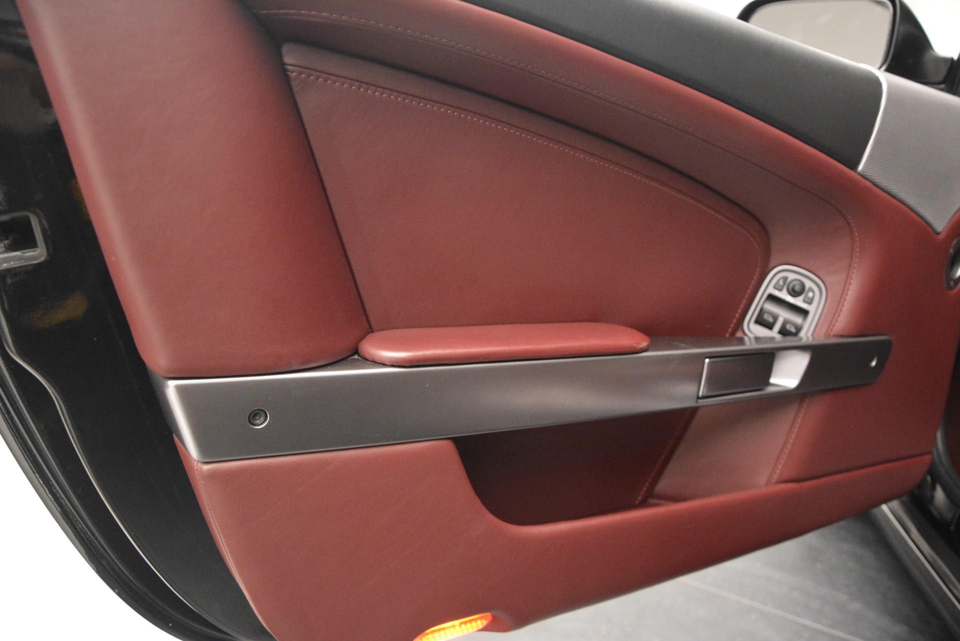 Used 2006 Aston Martin DB9 Coupe For Sale In Greenwich, CT 2832_p17