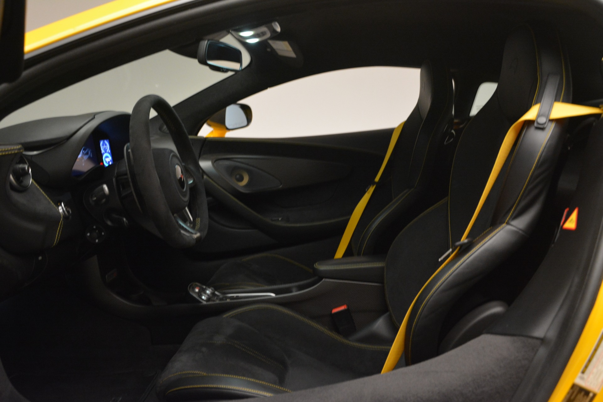 Used 2017 McLaren 570S  For Sale In Greenwich, CT 2843_p18