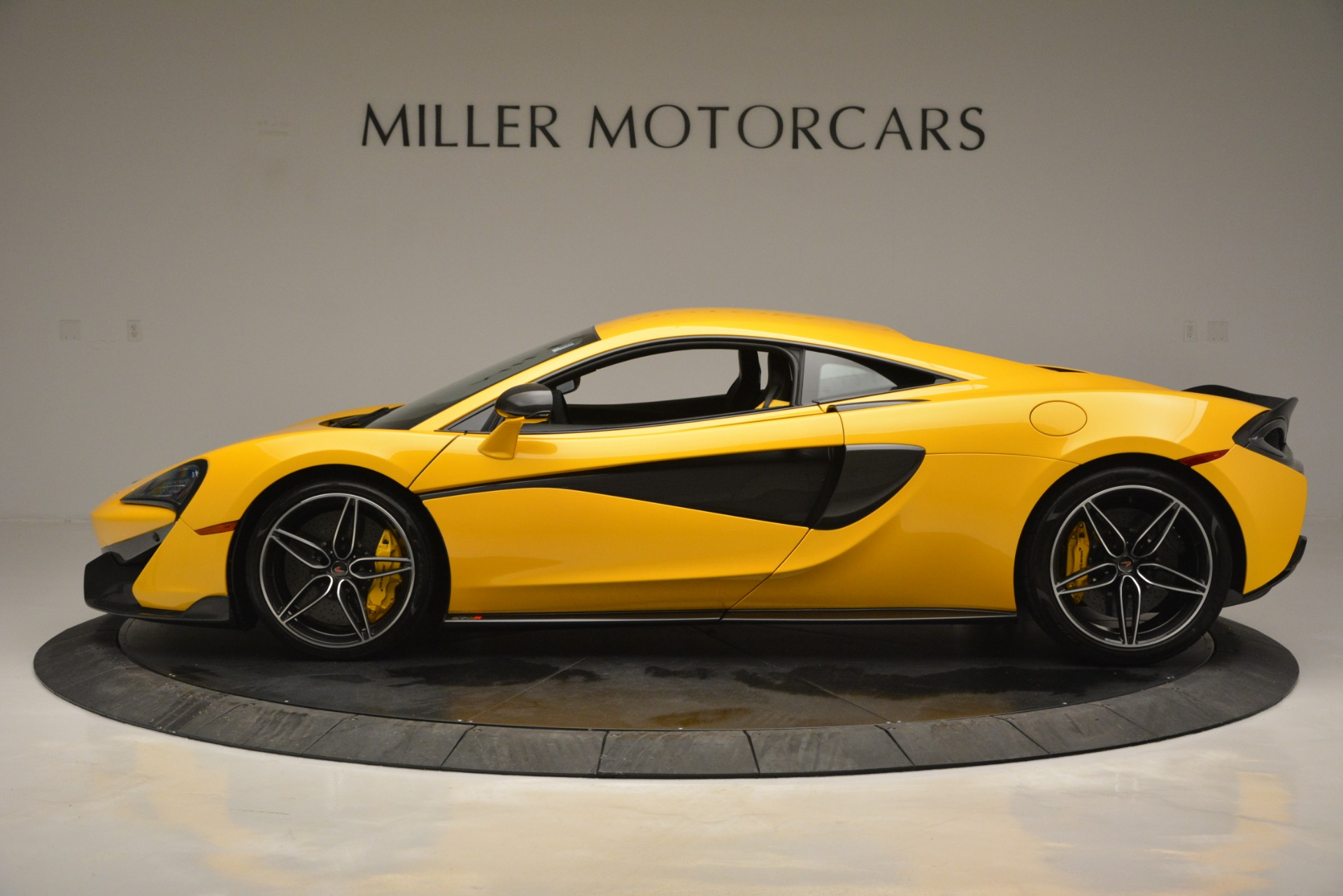 Used 2017 McLaren 570S  For Sale In Greenwich, CT 2843_p3