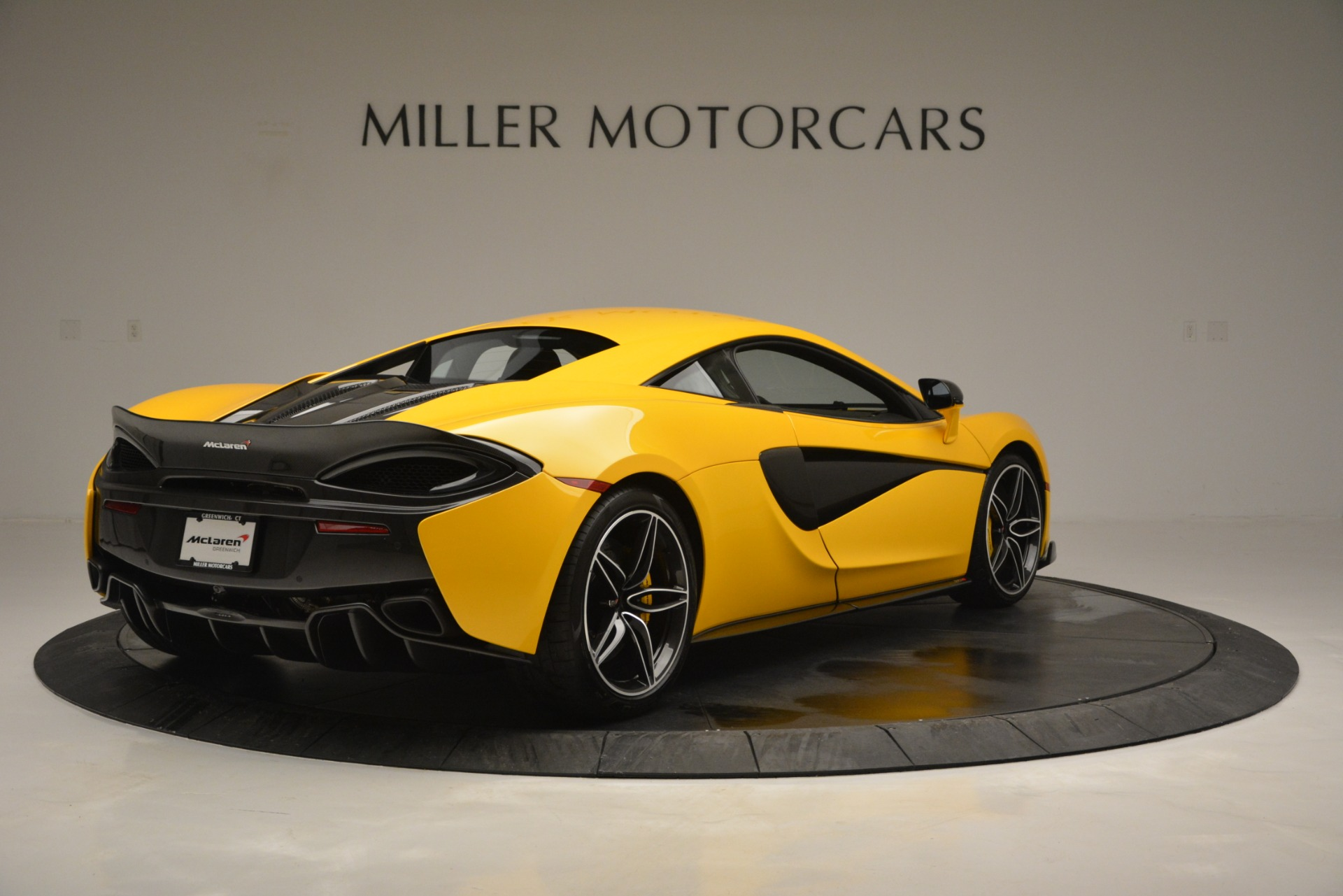 Used 2017 McLaren 570S  For Sale In Greenwich, CT 2843_p7