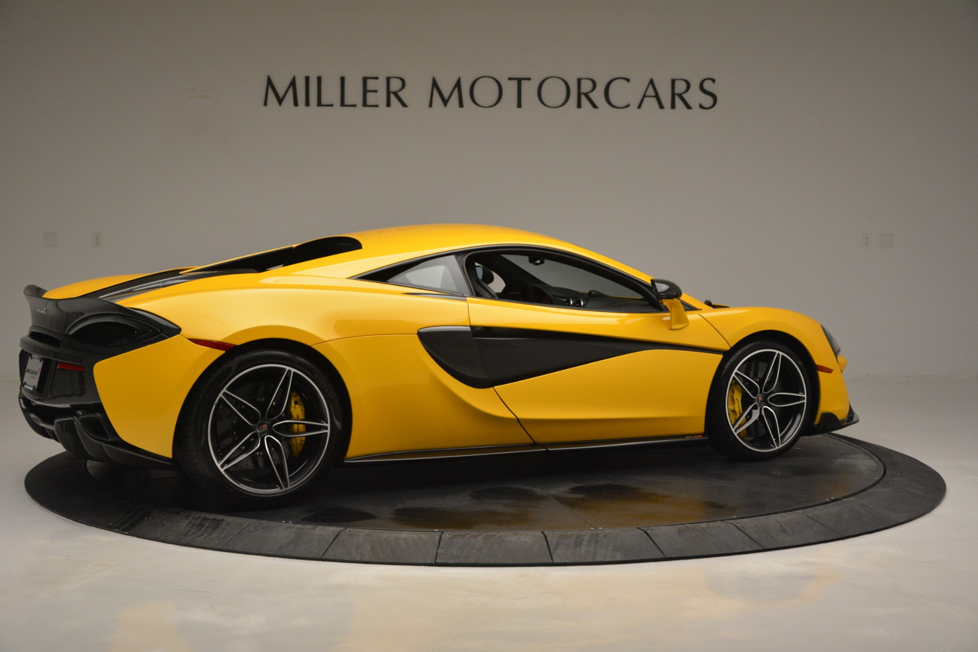 Used 2017 McLaren 570S  For Sale In Greenwich, CT 2843_p8