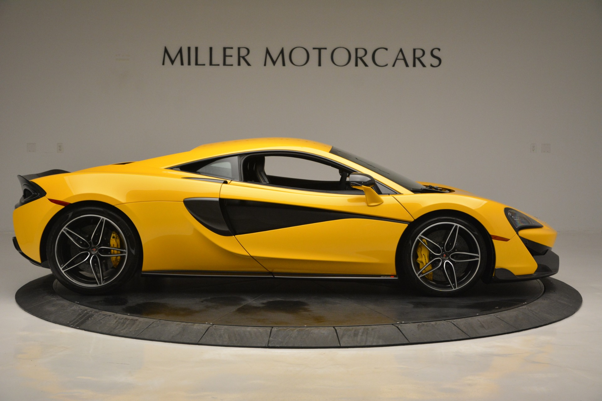 Used 2017 McLaren 570S  For Sale In Greenwich, CT 2843_p9