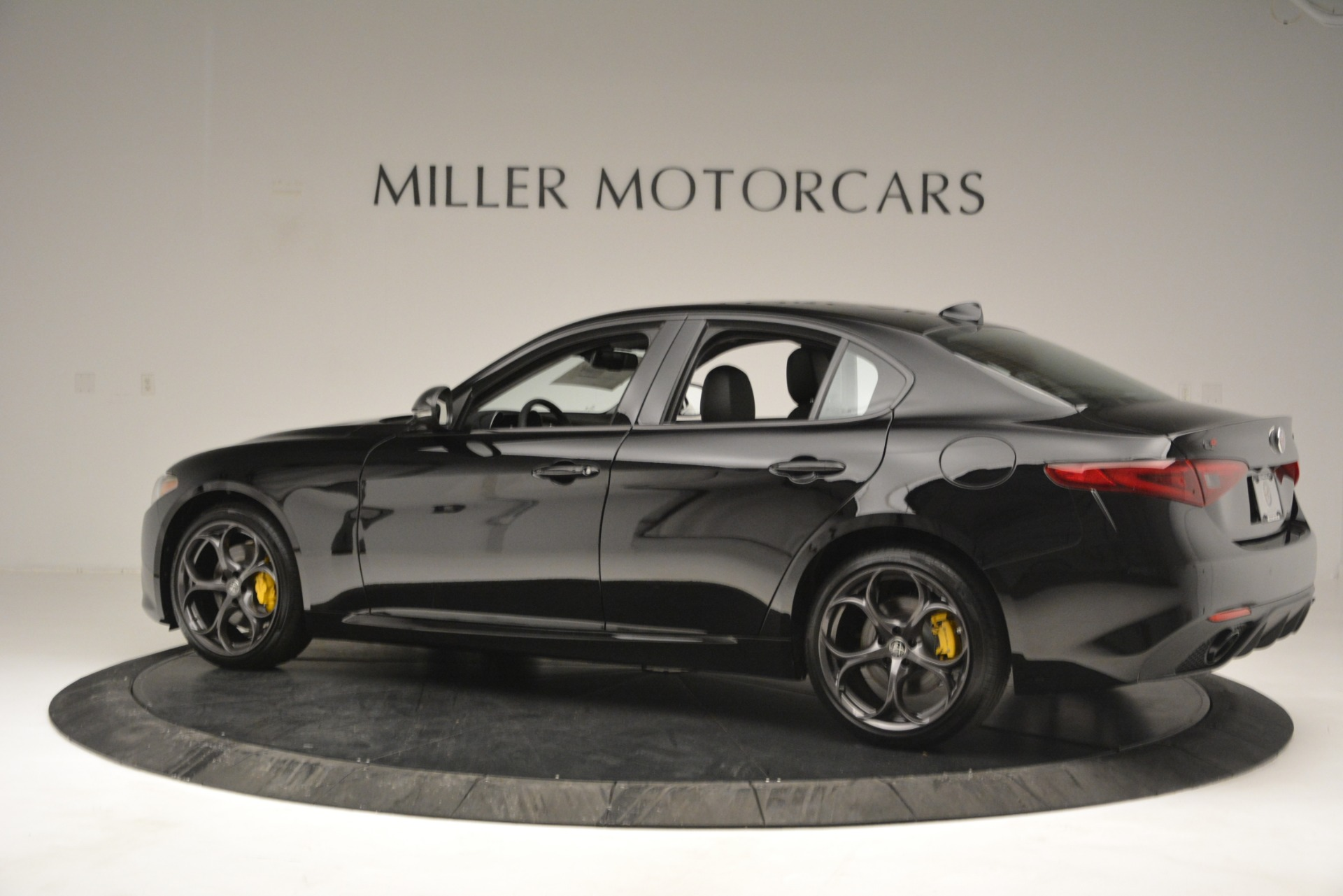 New 2019 Alfa Romeo Giulia Ti Q4 For Sale In Greenwich, CT 2847_p4