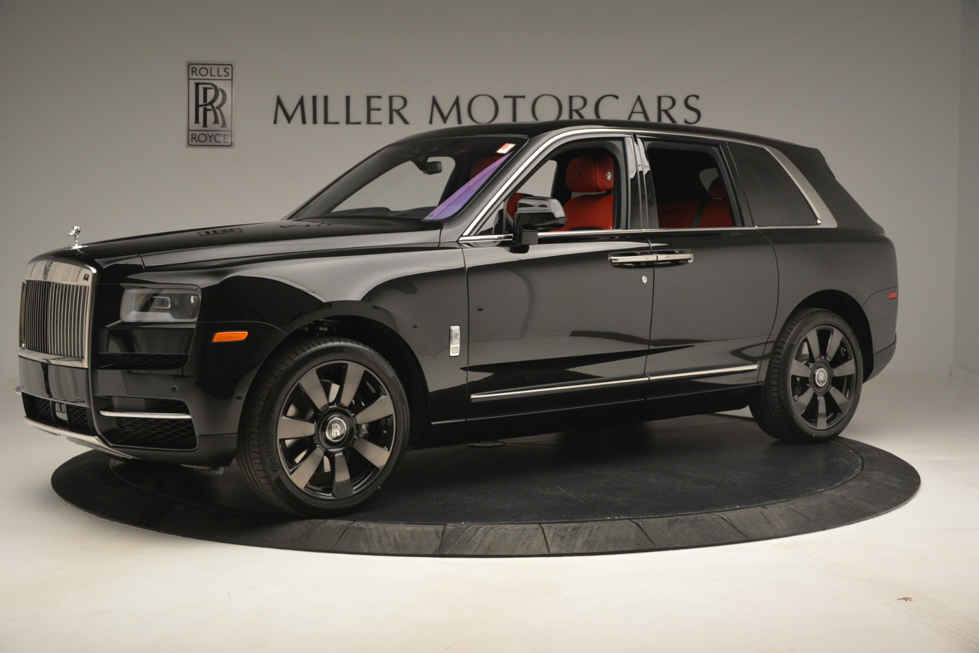 New 2019 Rolls-Royce Cullinan  For Sale In Greenwich, CT 2852_p3