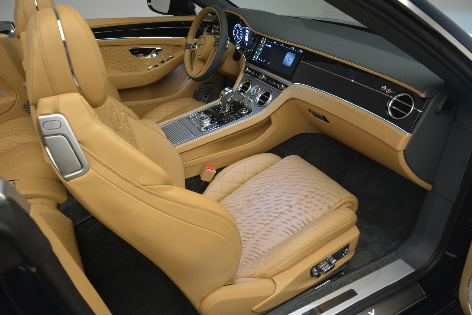 New 2020 Bentley Continental GTC  For Sale In Greenwich, CT 2865_p38