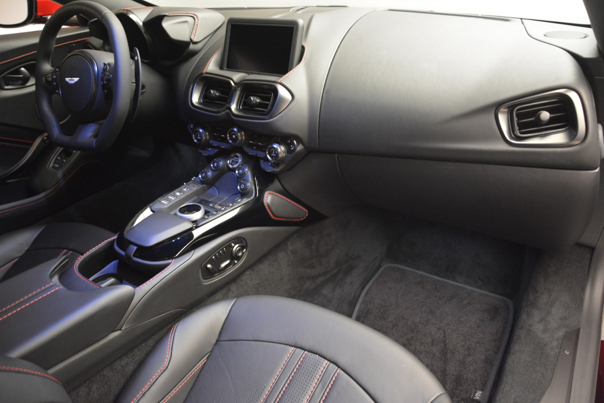New 2019 Aston Martin Vantage  For Sale In Greenwich, CT 2866_p21