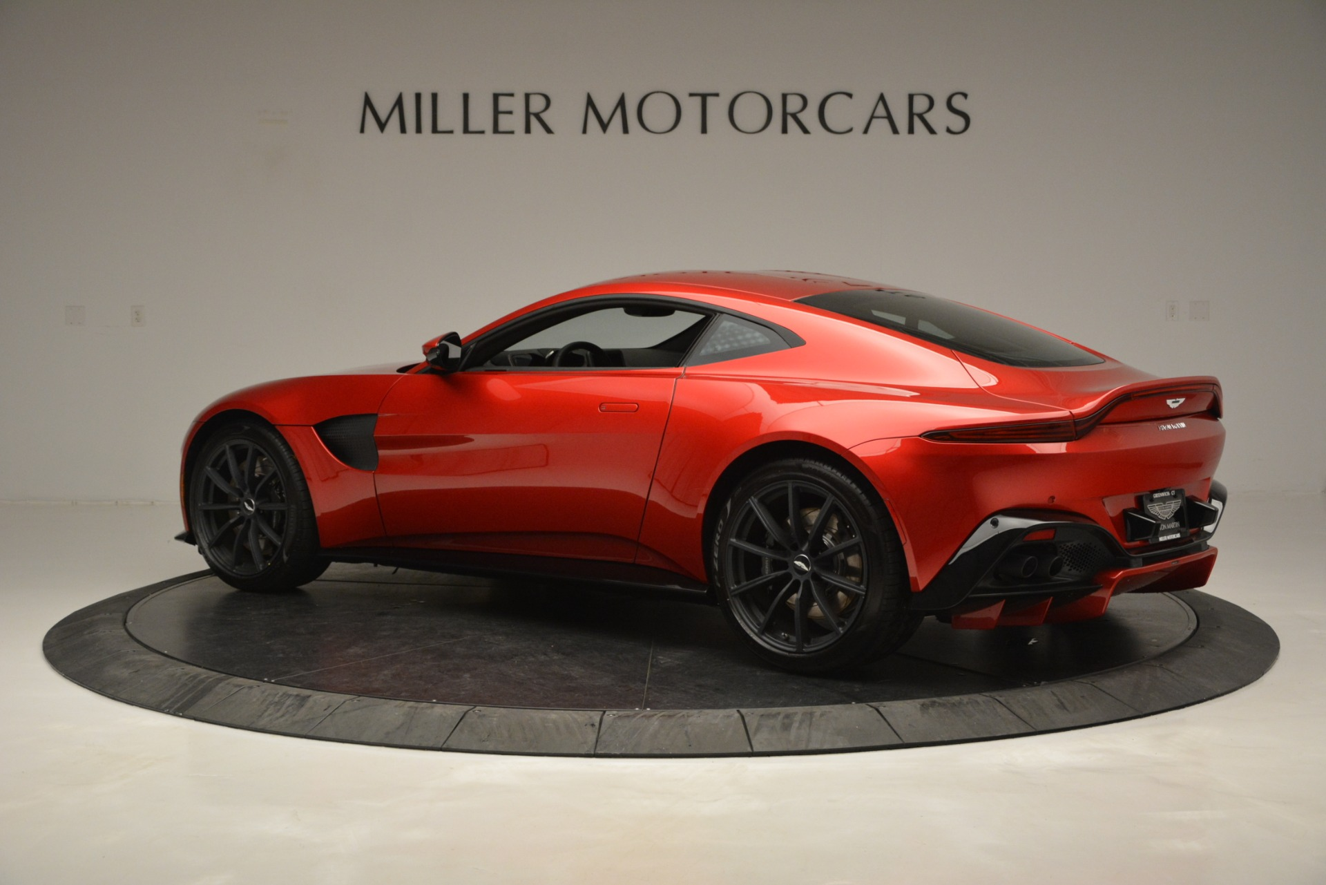 New 2019 Aston Martin Vantage  For Sale In Greenwich, CT 2866_p4