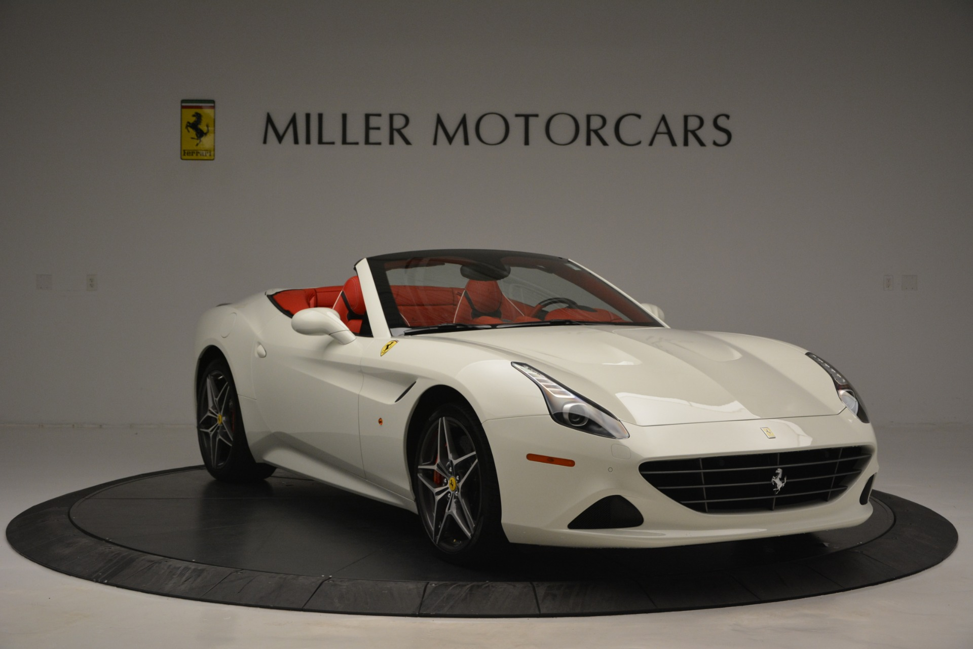 Used 2017 Ferrari California T Handling Speciale For Sale In Greenwich, CT 2881_p11
