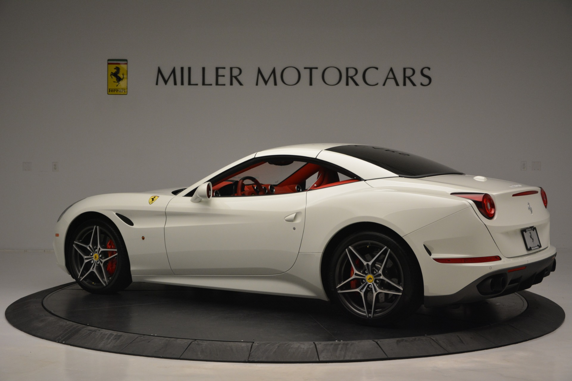 Used 2017 Ferrari California T Handling Speciale For Sale In Greenwich, CT 2881_p16