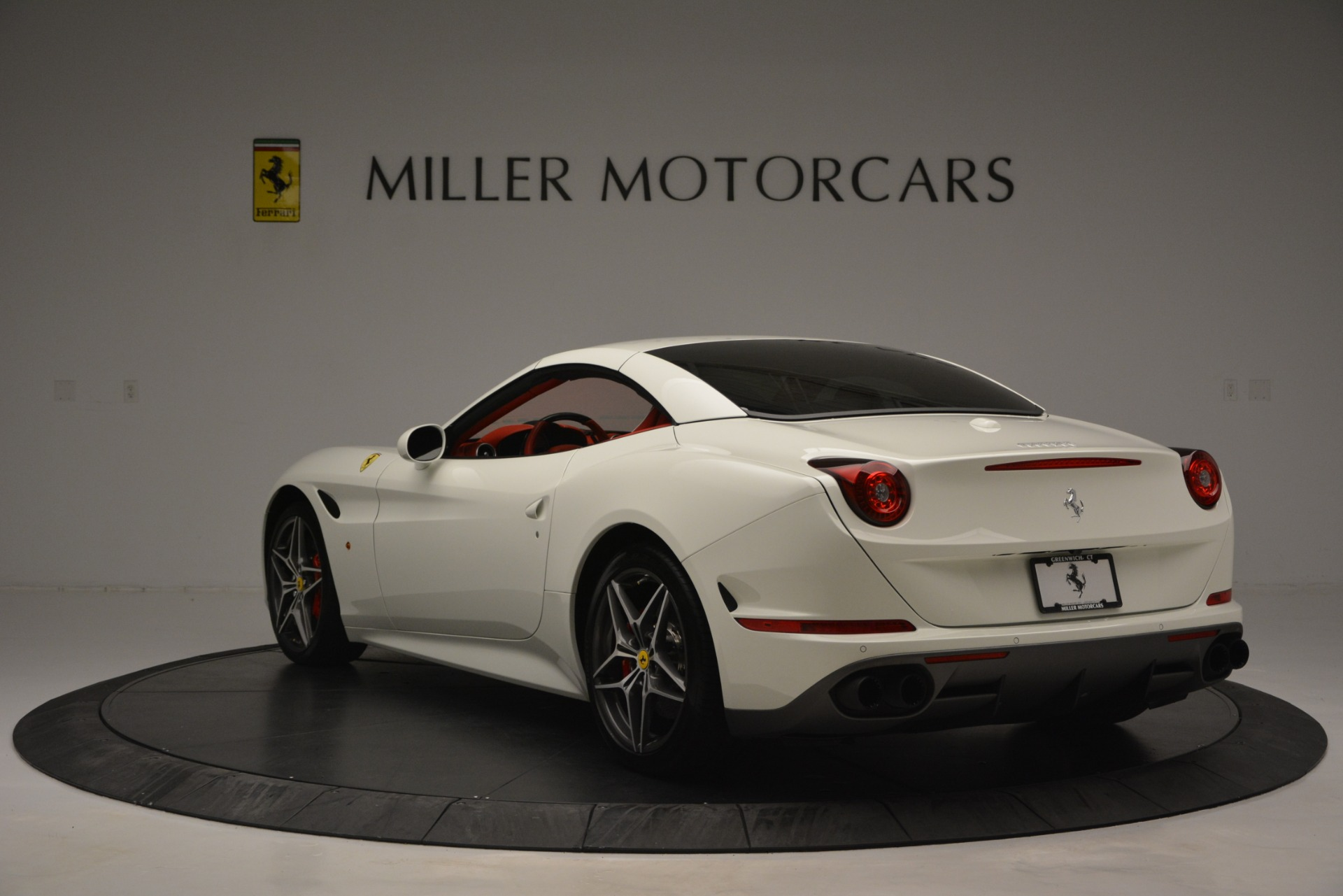 Used 2017 Ferrari California T Handling Speciale For Sale In Greenwich, CT 2881_p17
