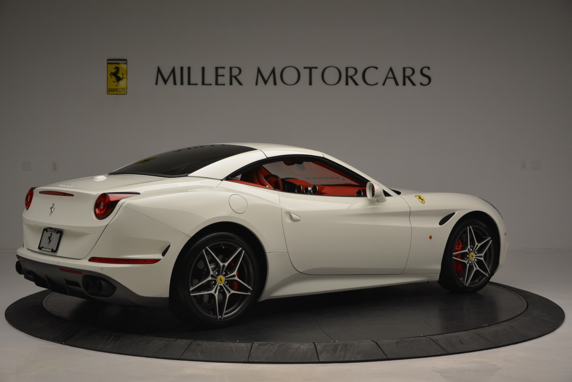 Used 2017 Ferrari California T Handling Speciale For Sale In Greenwich, CT 2881_p20